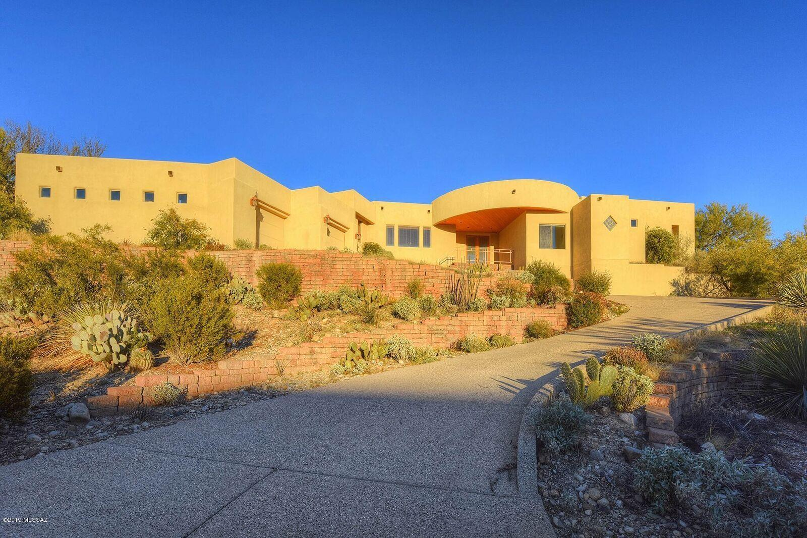 Photo of 10540 N Starsearcher Place, Tucson, AZ 85737