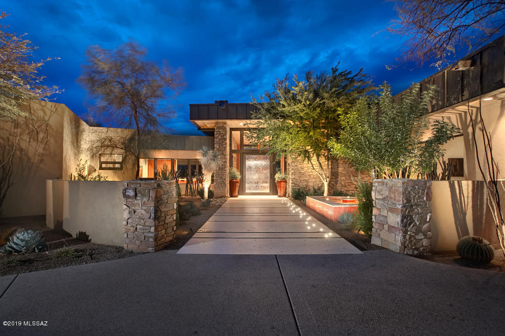 Photo of 3868 N Canyon Ranch Drive, Tucson, AZ 85750
