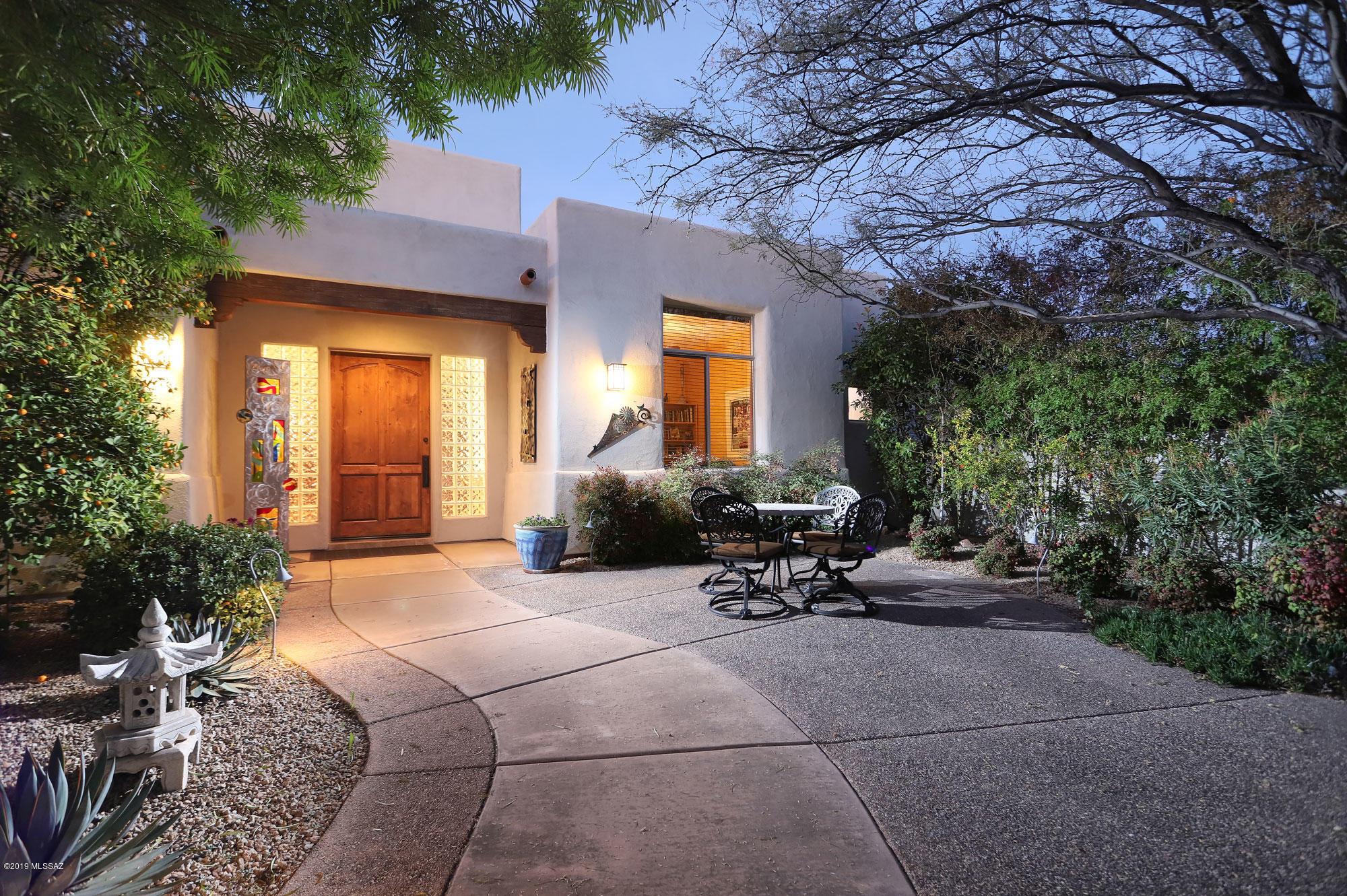 Photo of 6988 N Chula Vista Reserve Place, Tucson, AZ 85704