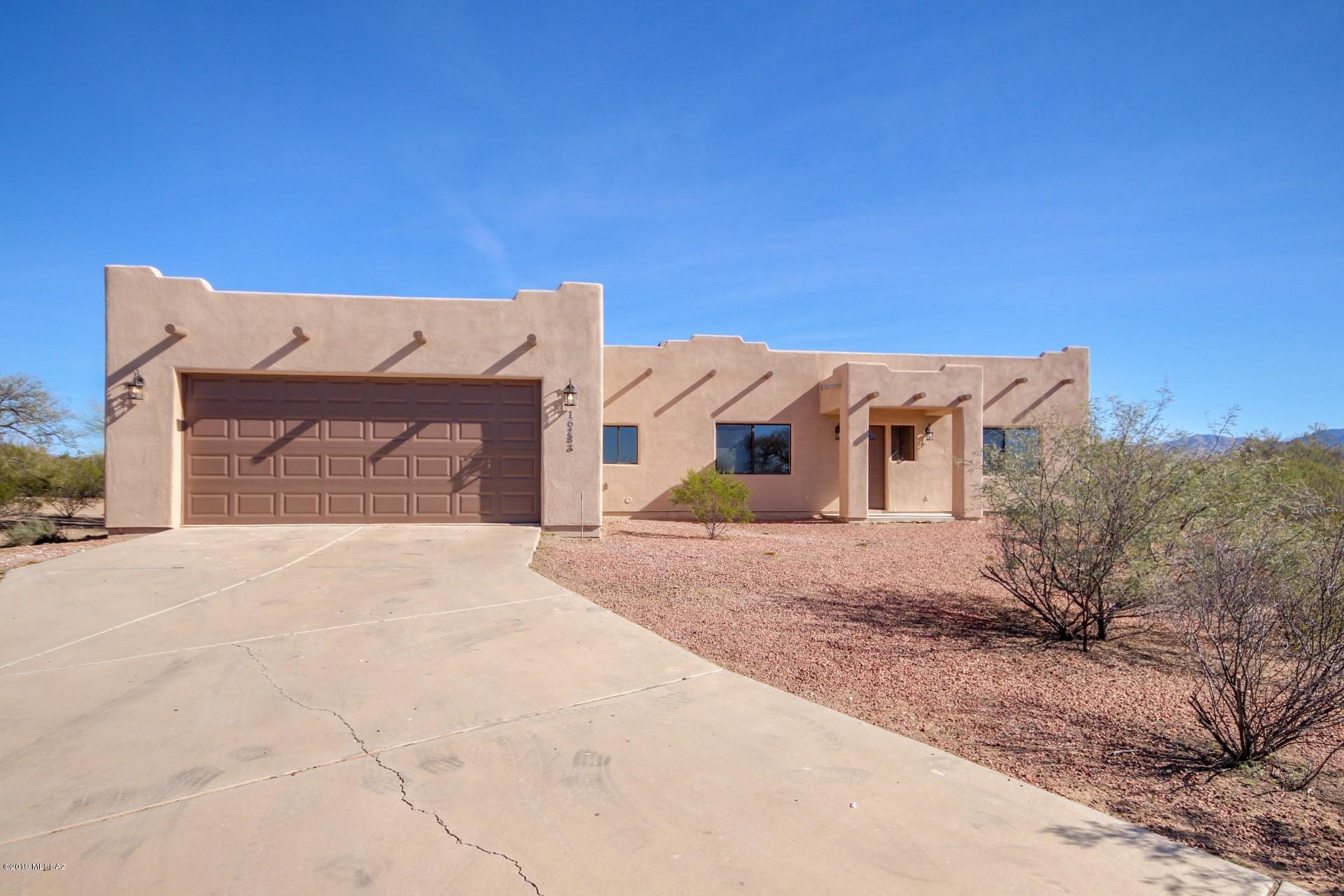 Photo of 16283 S Petrified Forest Drive, Sahuarita, AZ 85629