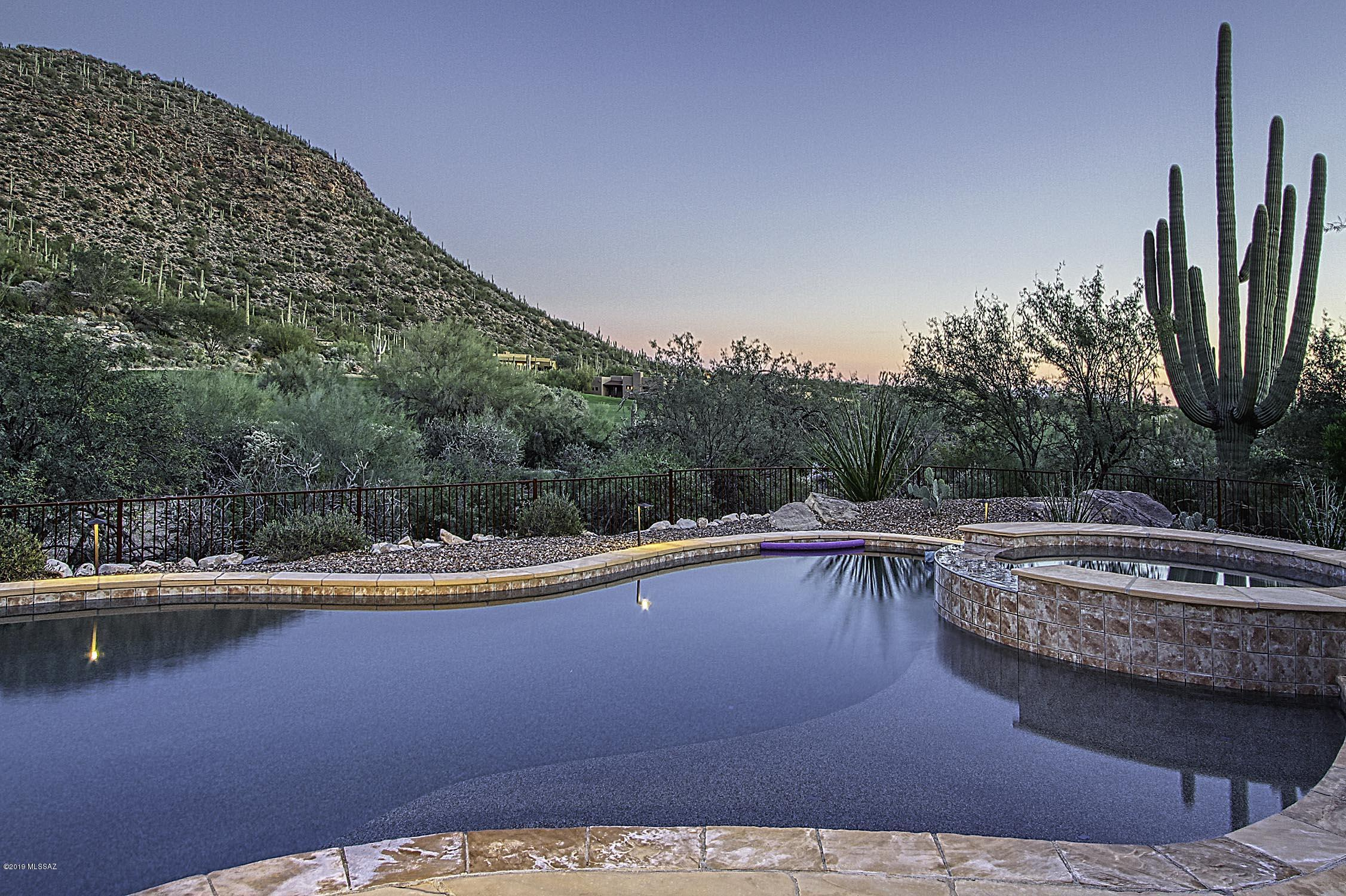 Photo of 14480 N Sunset Gallery Drive, Marana, AZ 85658