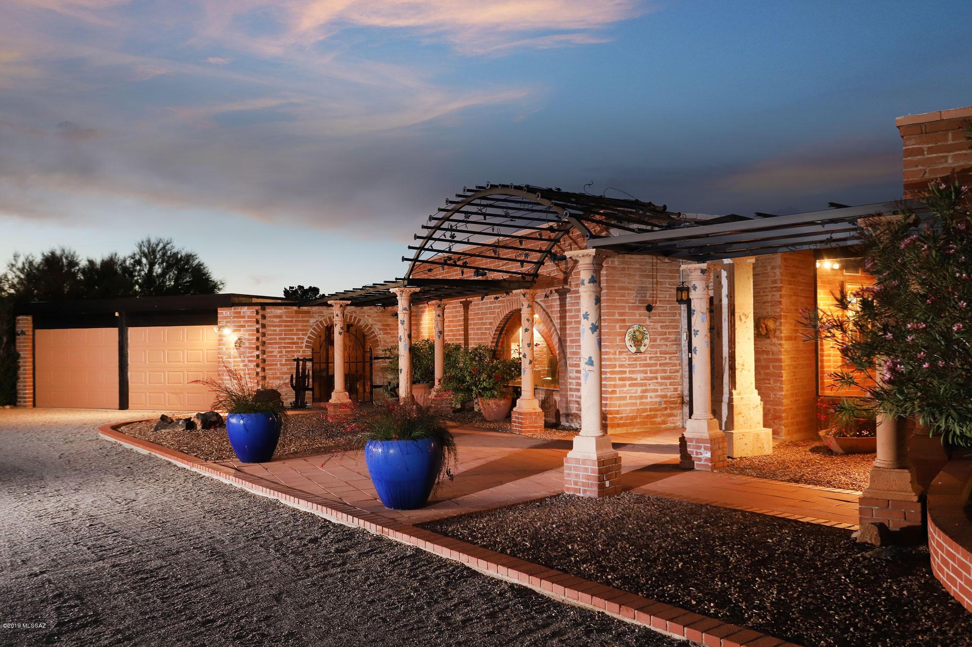 Photo of 800 W Linda Vista Boulevard, Oro Valley, AZ 85704