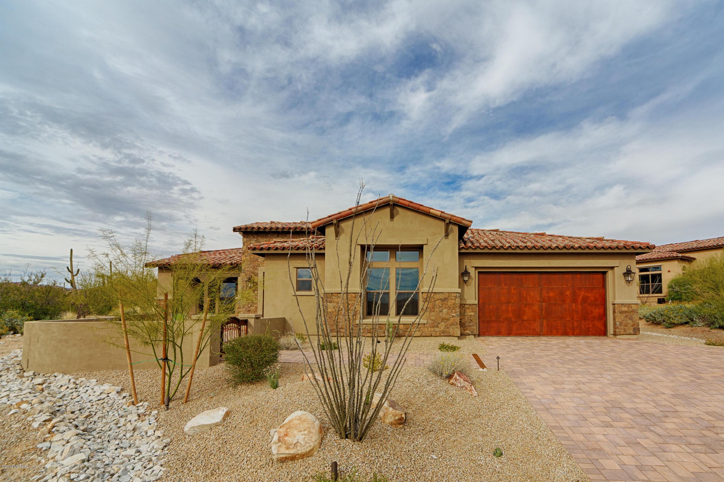 Photo of 420 W Echo Point Place, Oro Valley, AZ 85755