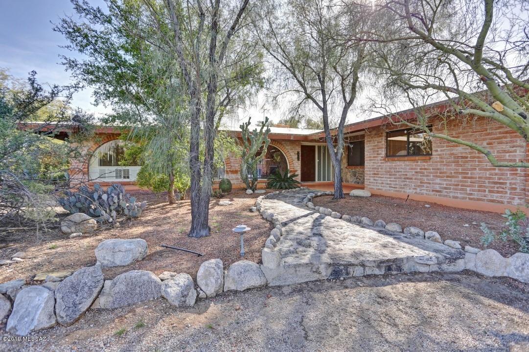 Photo of 5111 N Calle La Cima, Tucson, AZ 85718