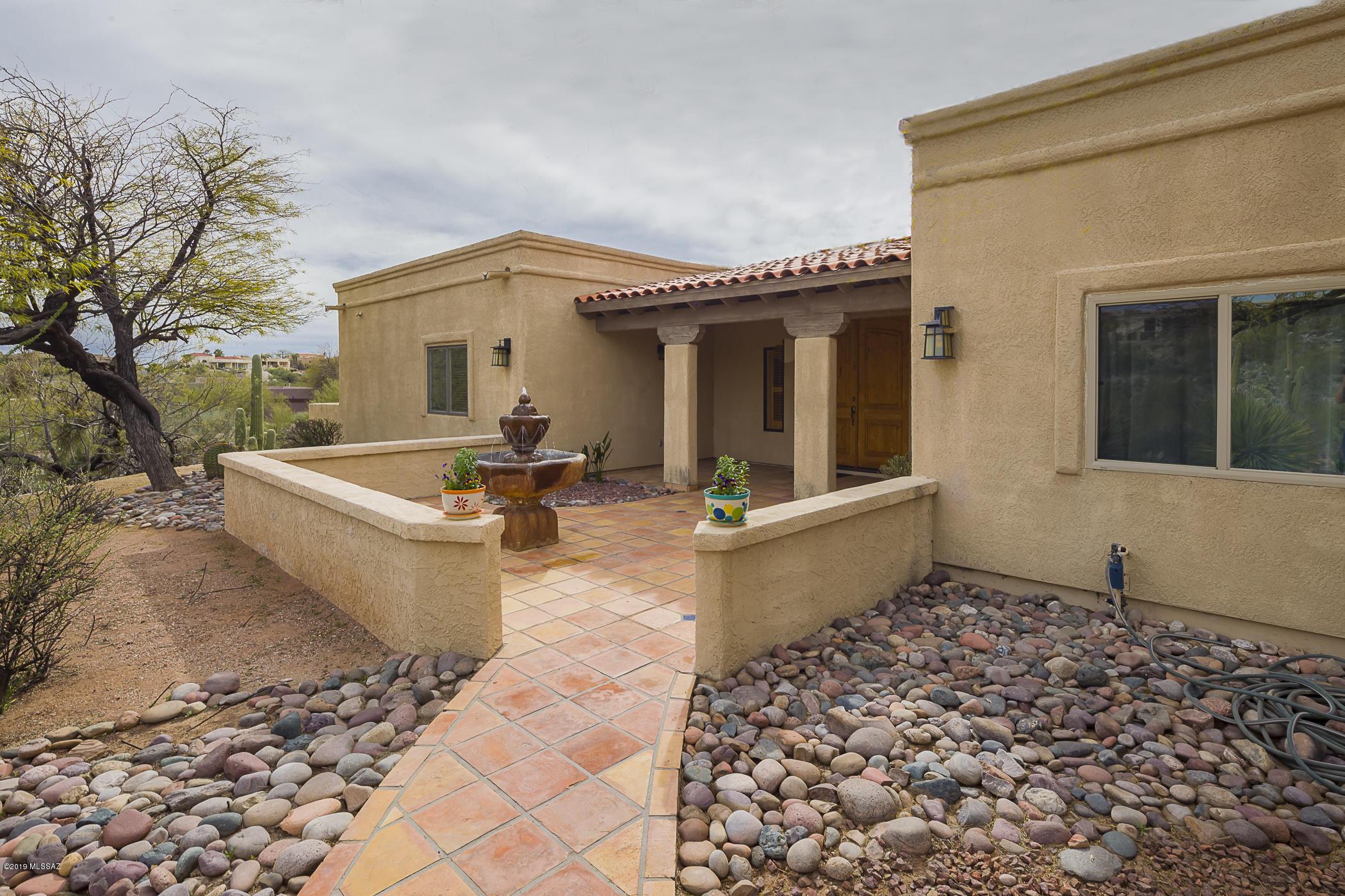 Photo of 5722 E Placita La Gracias, Tucson, AZ 85750