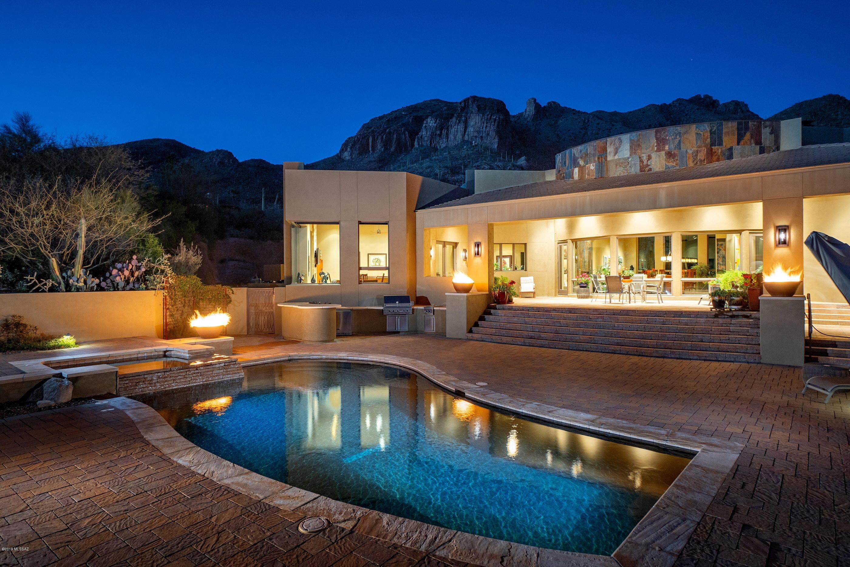 7417 N Secret Canyon Drive Tucson, AZ 85718
