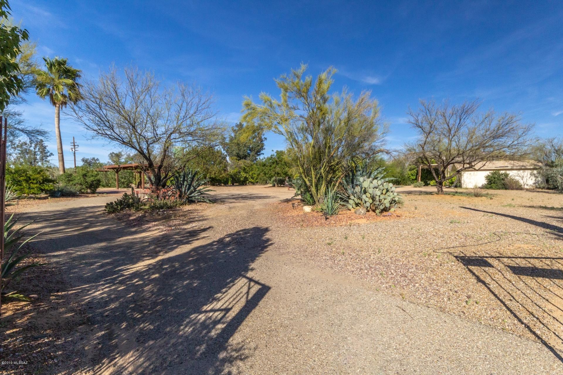 Photo of 9350 N Shannon Road, Tucson, AZ 85742