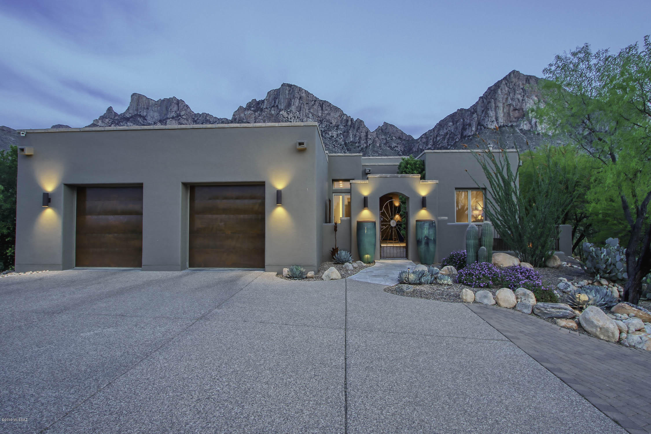 Photo of 10250 N Cliff Dweller Place, Oro Valley, AZ 85737
