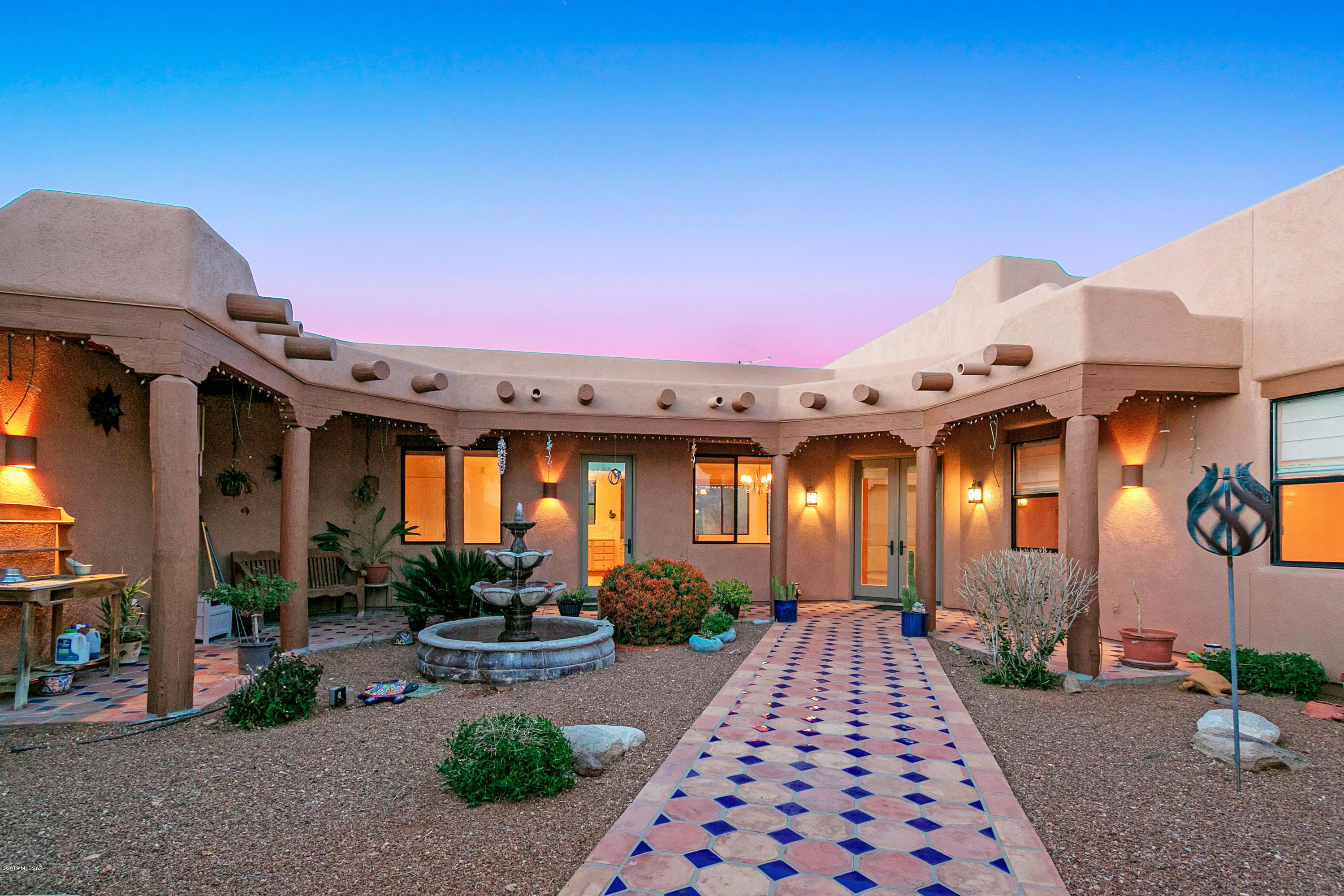 Photo of 7002 S Avenida Del Potrillo, Tucson, AZ 85747