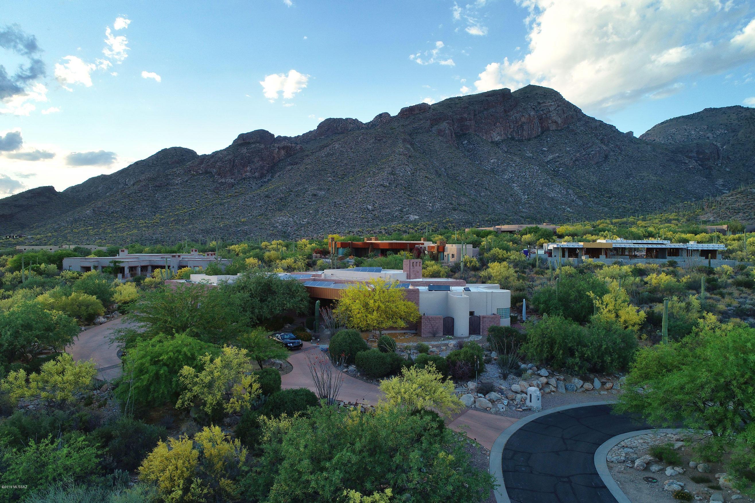 Photo of 2330 E Placita de la Victoria, Tucson, AZ 85718