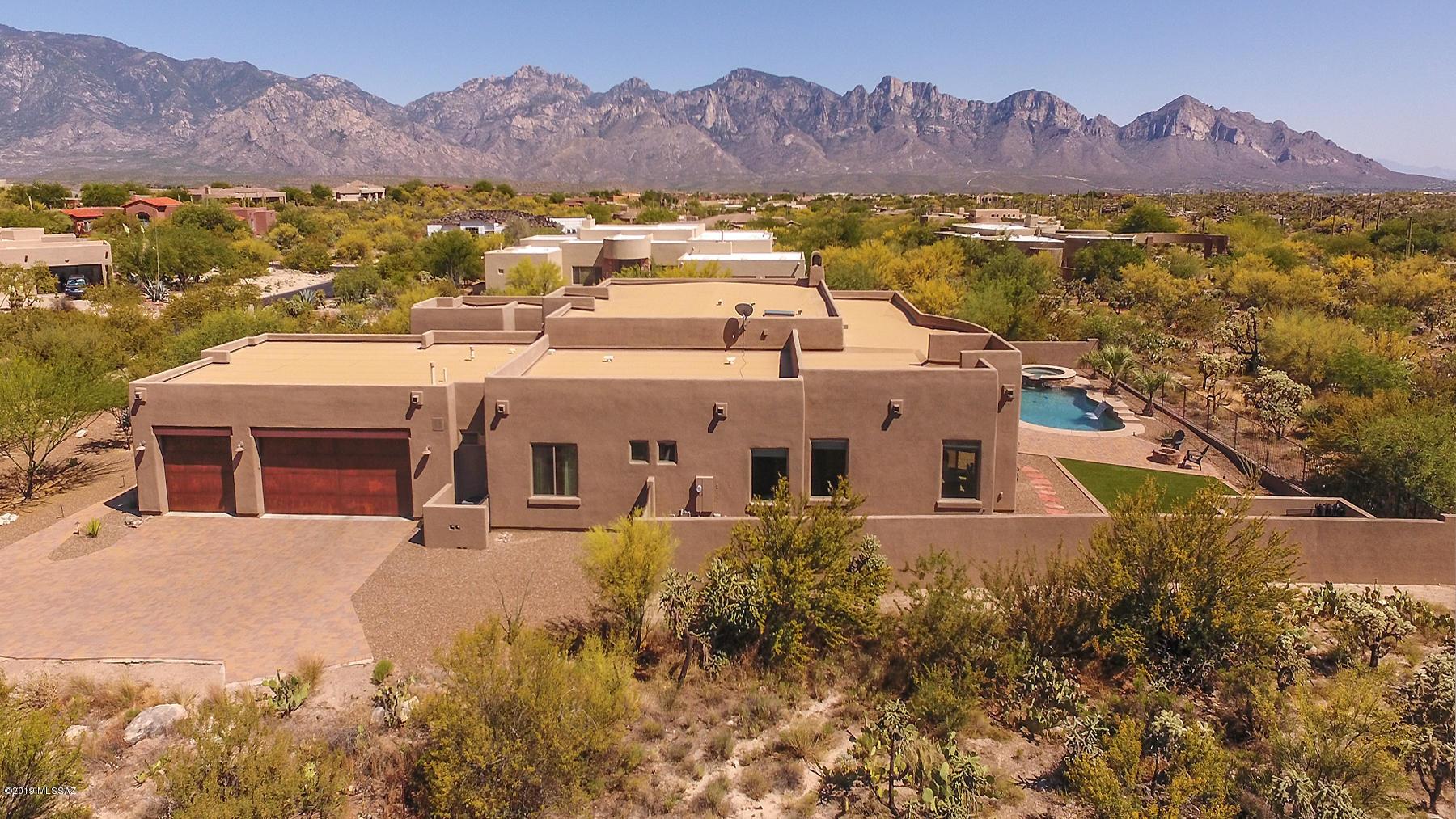 Photo of 442 E Sun Spring Place, Oro Valley, AZ 85755