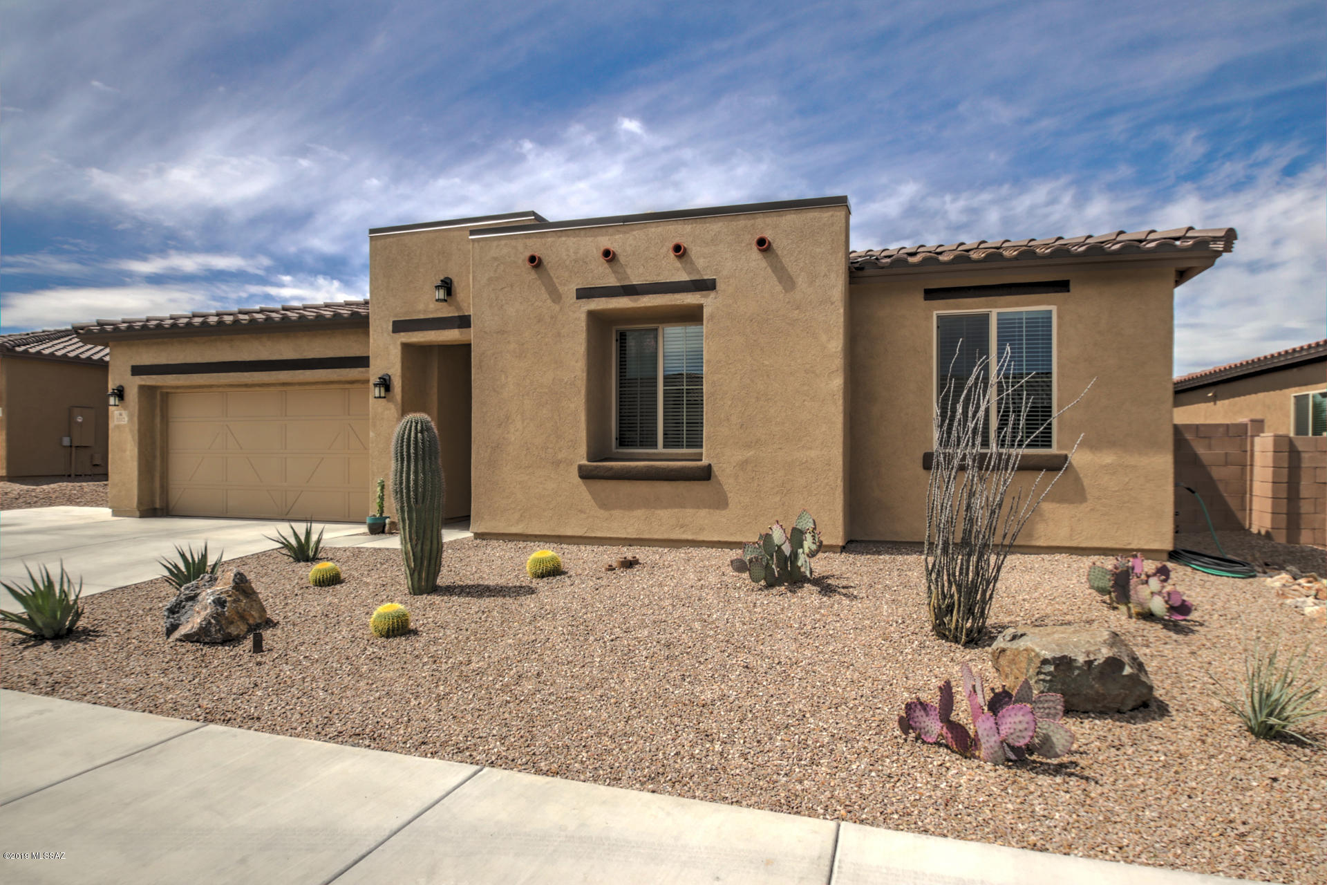 Photo of 1112 W Golden Meadow, Sahuarita, AZ 85629