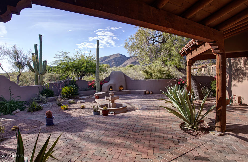 Photo of 7148 N Cathedral Rock Place, Tucson, AZ 85718