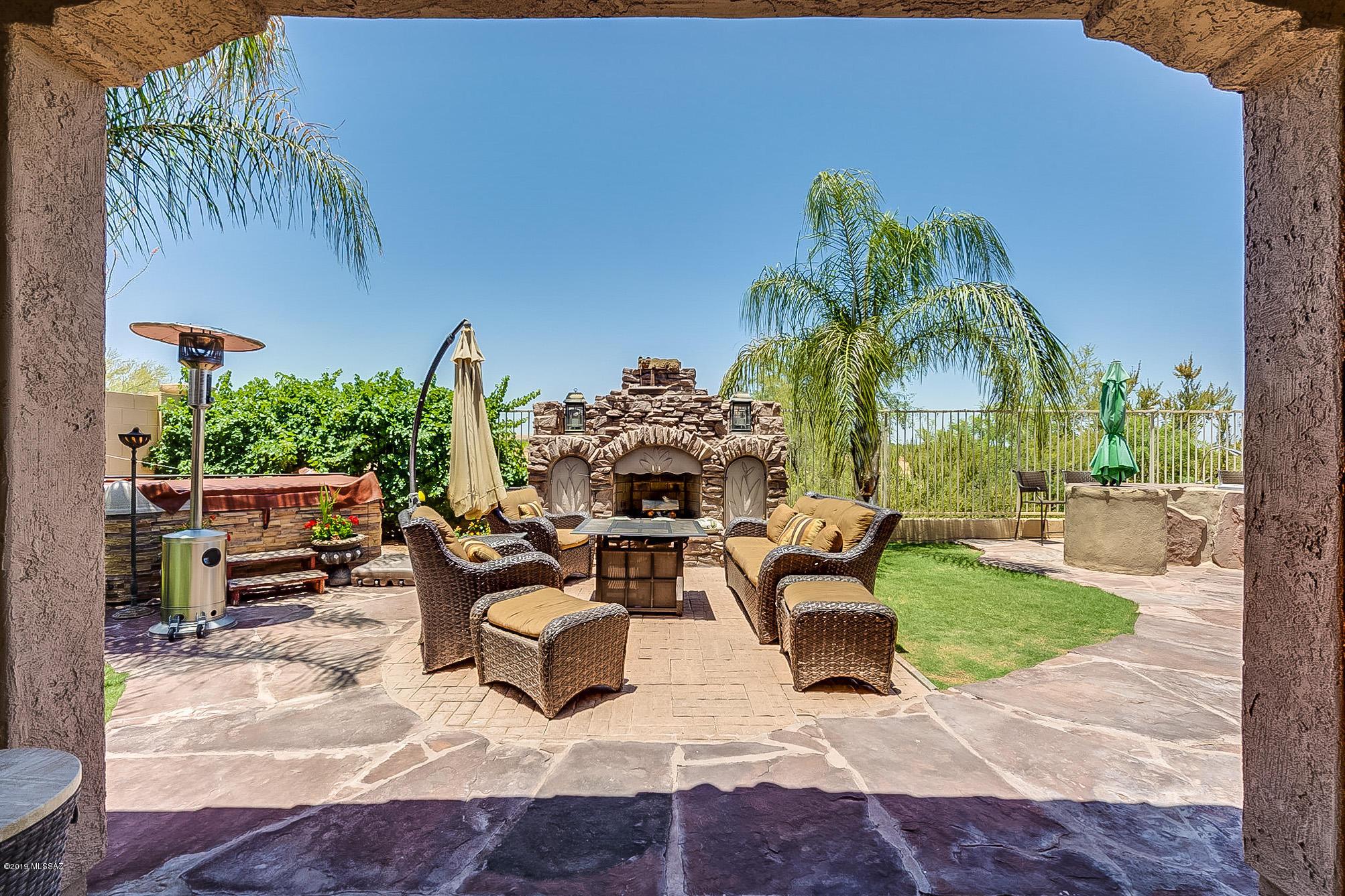 Photo of 790 W Camino Curvitas, Sahuarita, AZ 85629