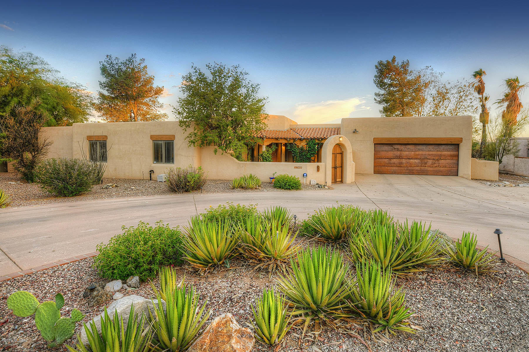 Photo of 1760 E Rio De La Loma, Tucson, AZ 85718