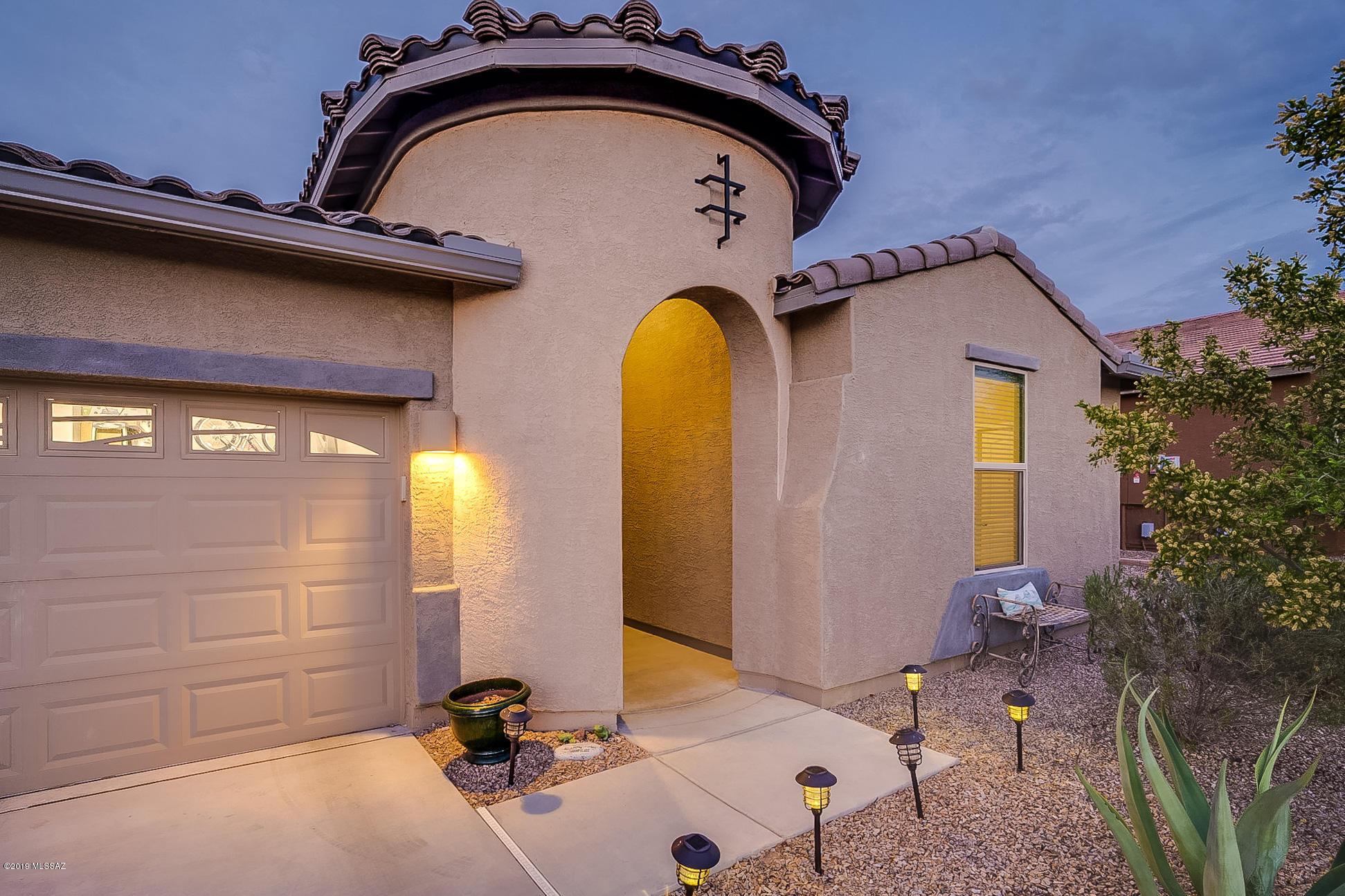 Photo of 1387 E Stronghold Canyon Lane, Sahuarita, AZ 85629