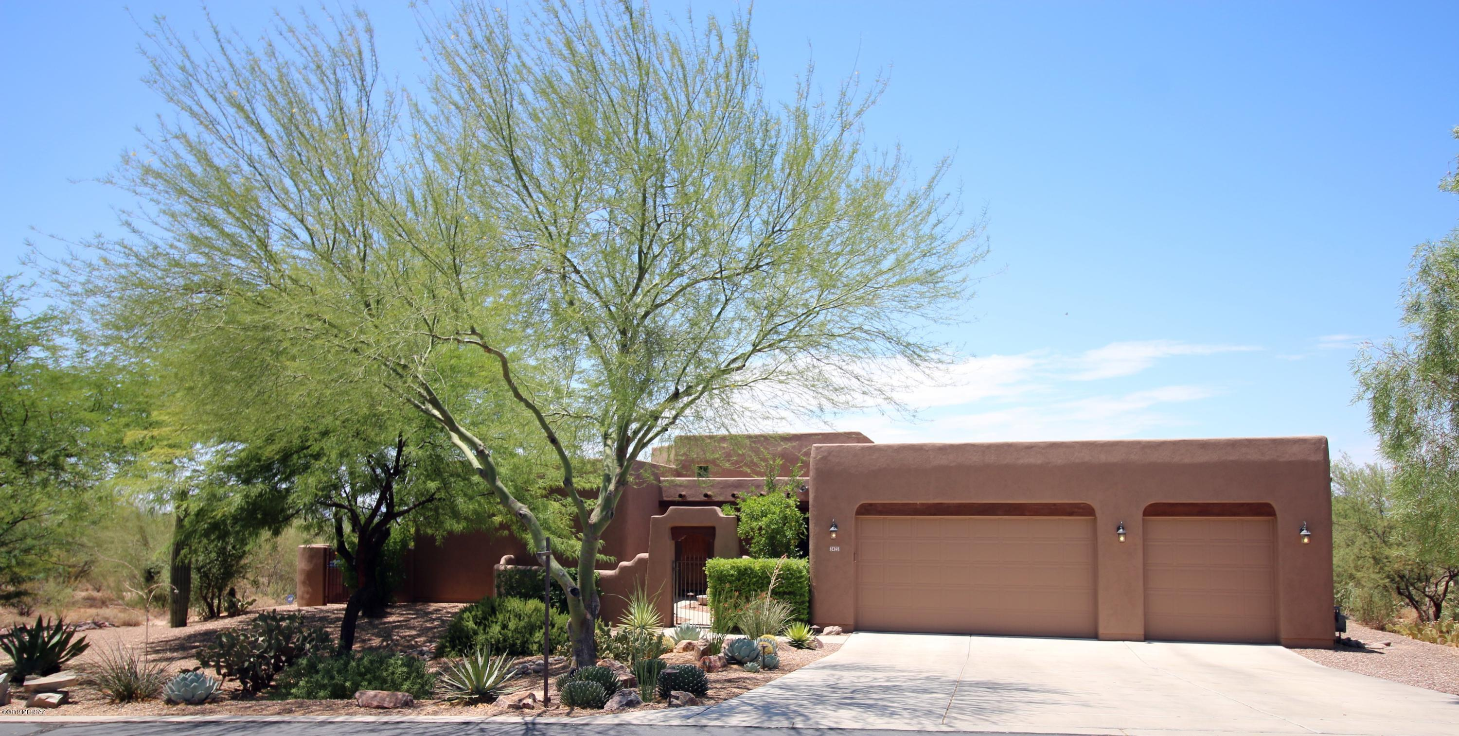 Photo of 2425 W Crow Wash Place, Oro Valley, AZ 85742