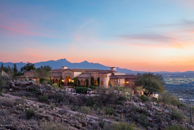 Photo of 7406 N Secret Canyon Drive, Tucson, AZ 85718