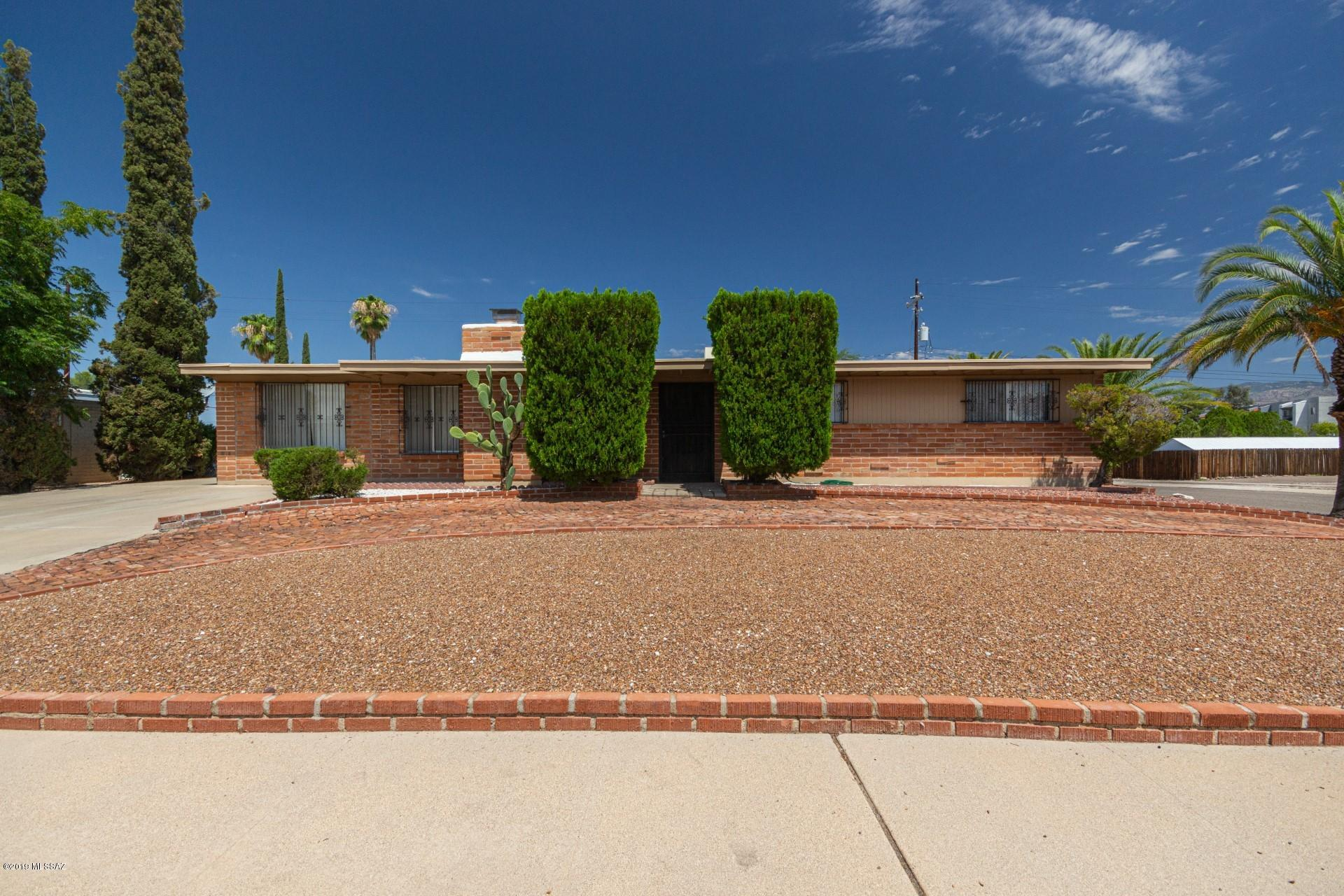 Photo of 8551 E Cuin Place, Tucson, AZ 85710