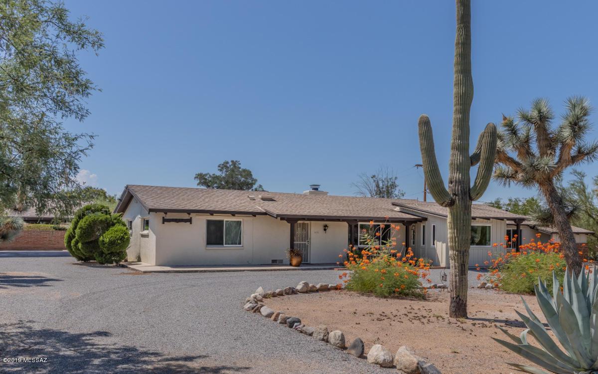 Photo of 6426 E Printer Udell, Tucson, AZ 85710