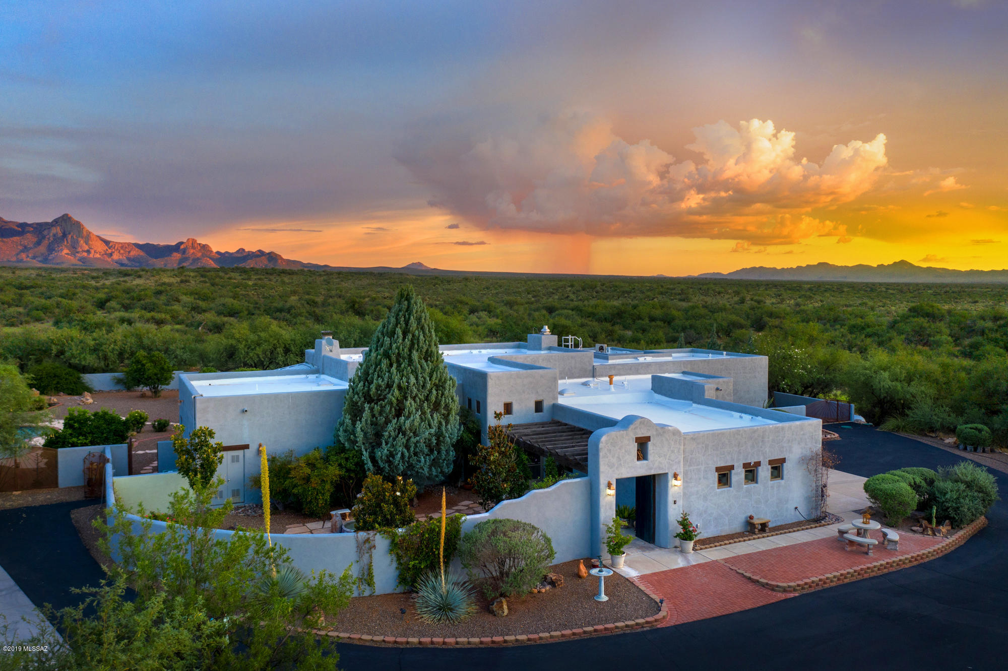 Photo of 77 W Silver Sky Place, Green Valley, AZ 85614