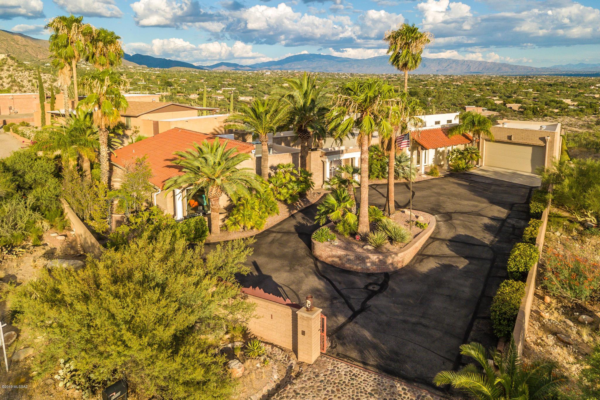 Photo of 6802 N Table Mountain Road, Tucson, AZ 85718