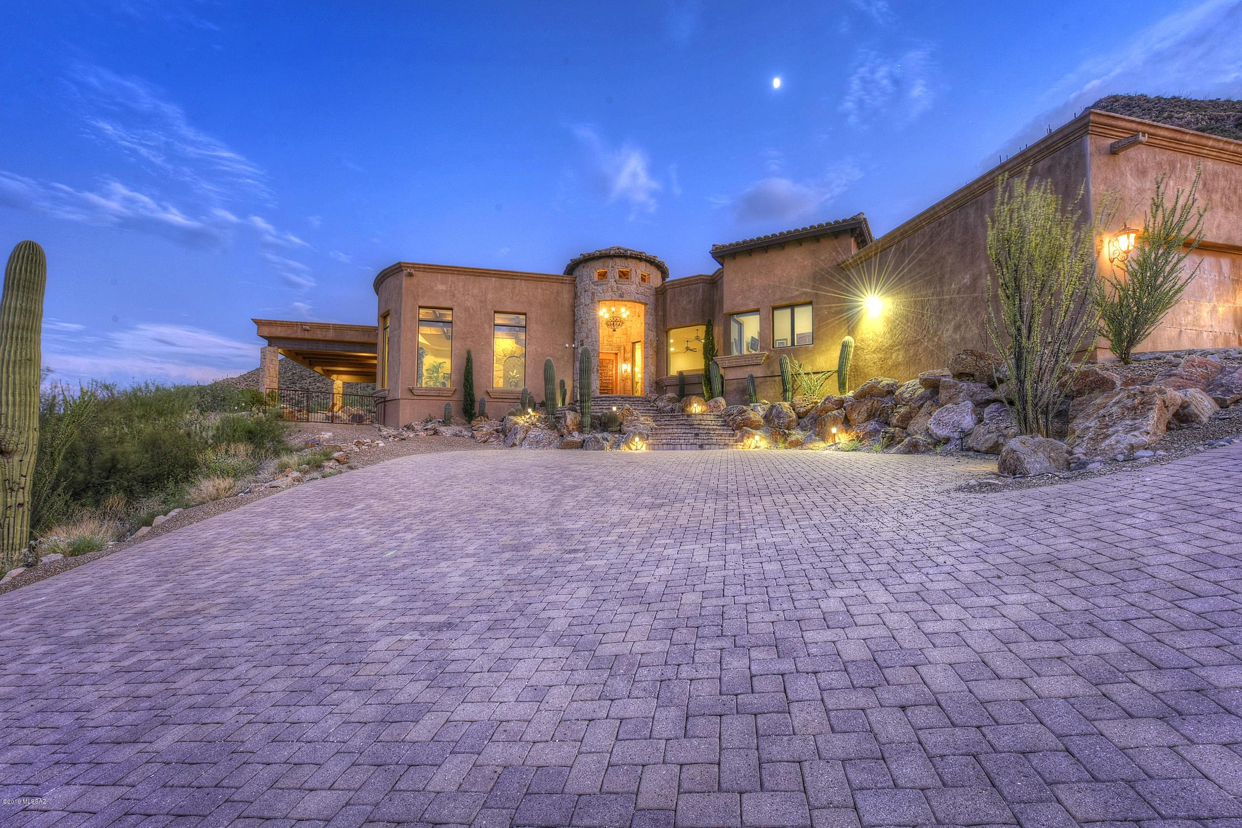 Photo of 671 Mountain Side Way, Tucson, AZ 85745