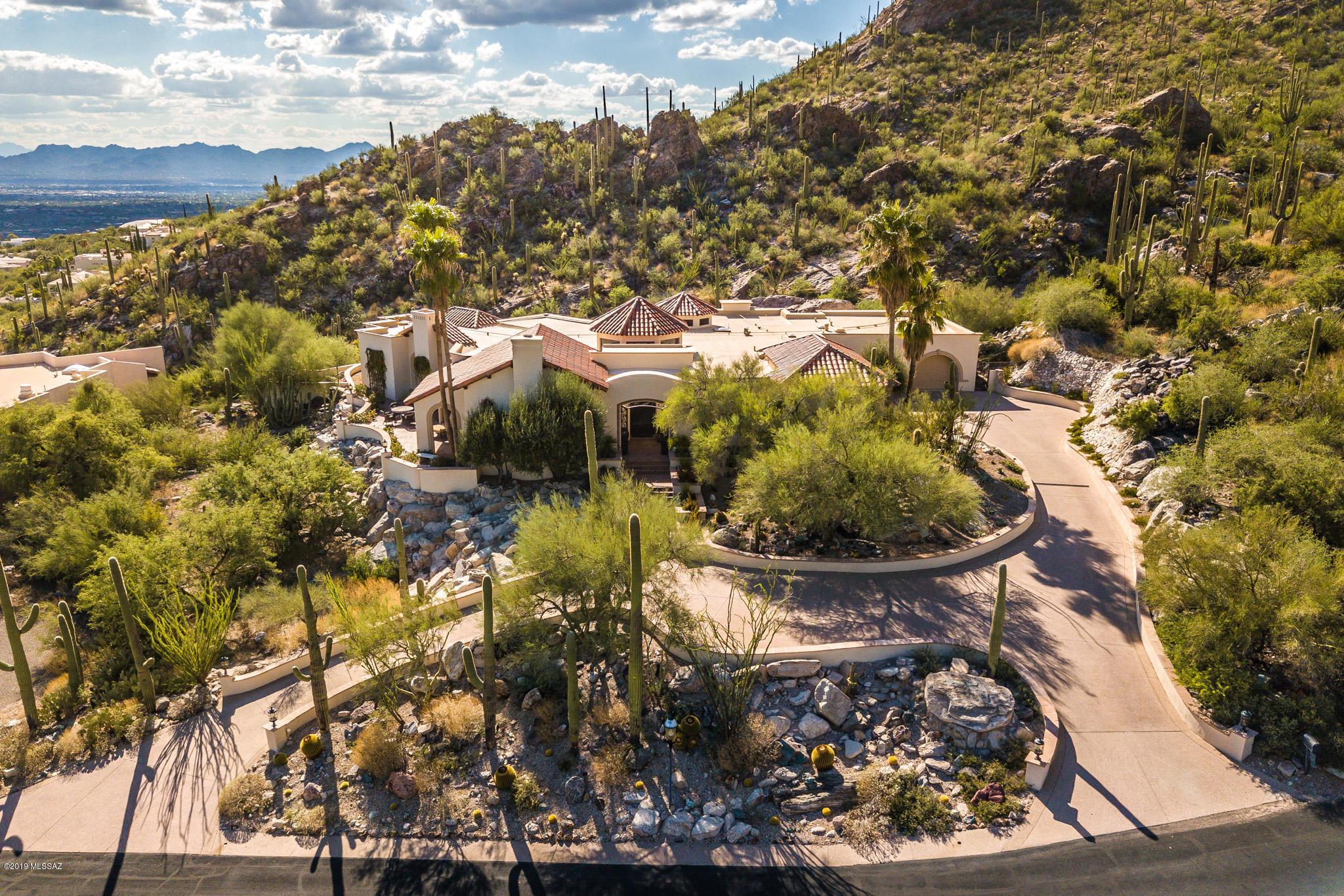Photo of 7037 N Javelina Drive, Tucson, AZ 85718