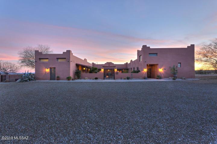 Photo of 4235 W Calle Uno, Green Valley, AZ 85622