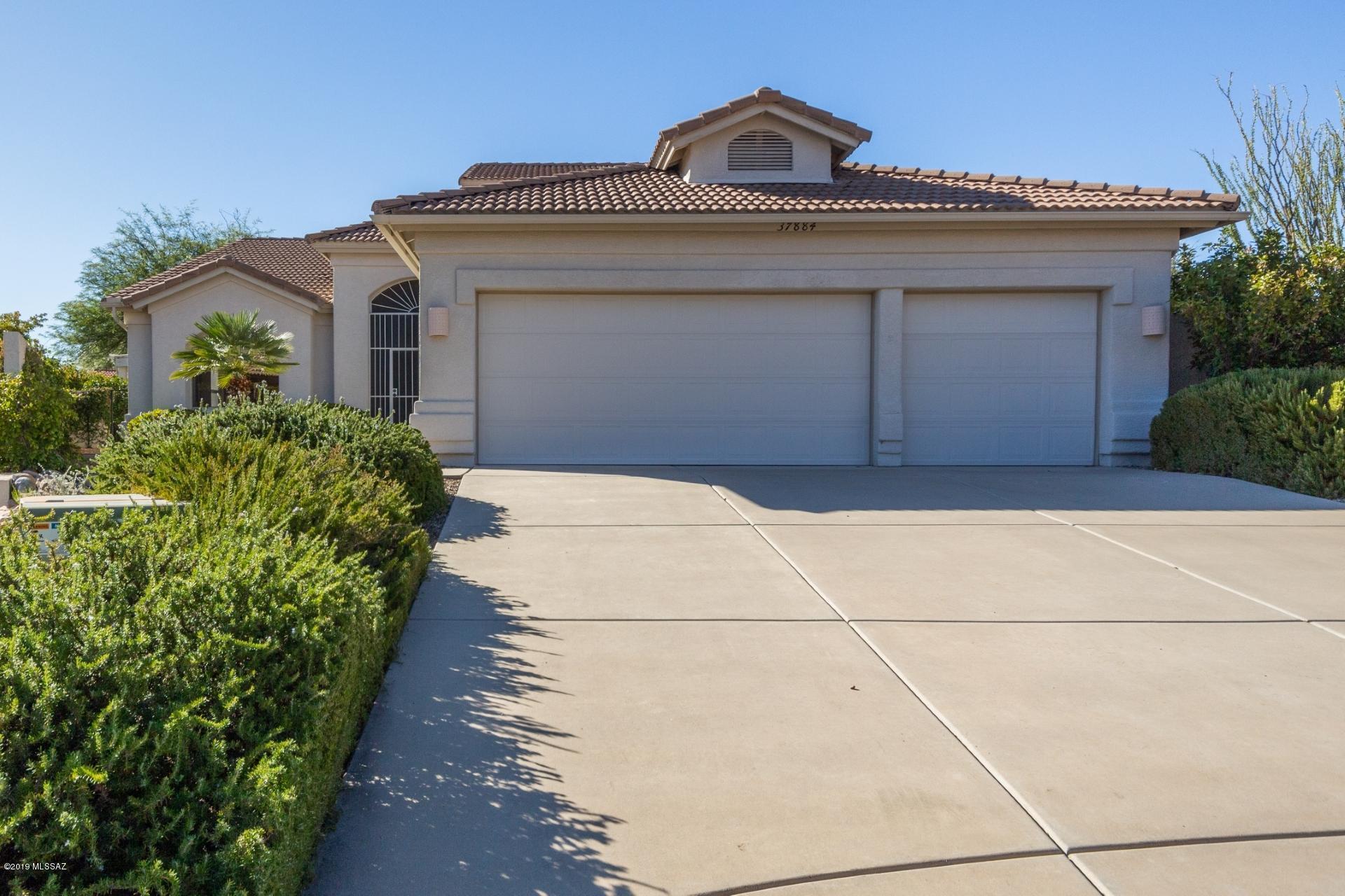 Photo of 37884 S Cypress Court, Saddlebrooke, AZ 85739