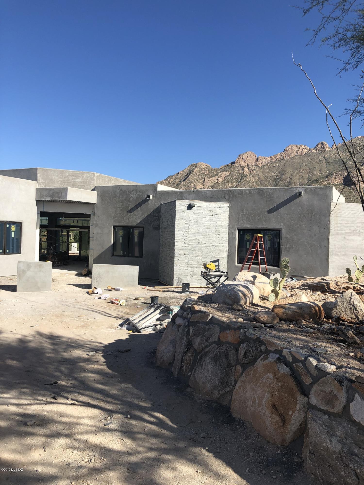 Photo of 1687 E Desert Garden Drive, Tucson, AZ 85718