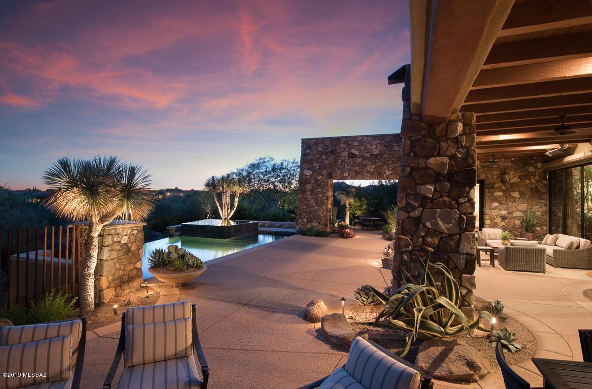 Photo of 419 W Tortolita Mountain Circle, Oro Valley, AZ 85755