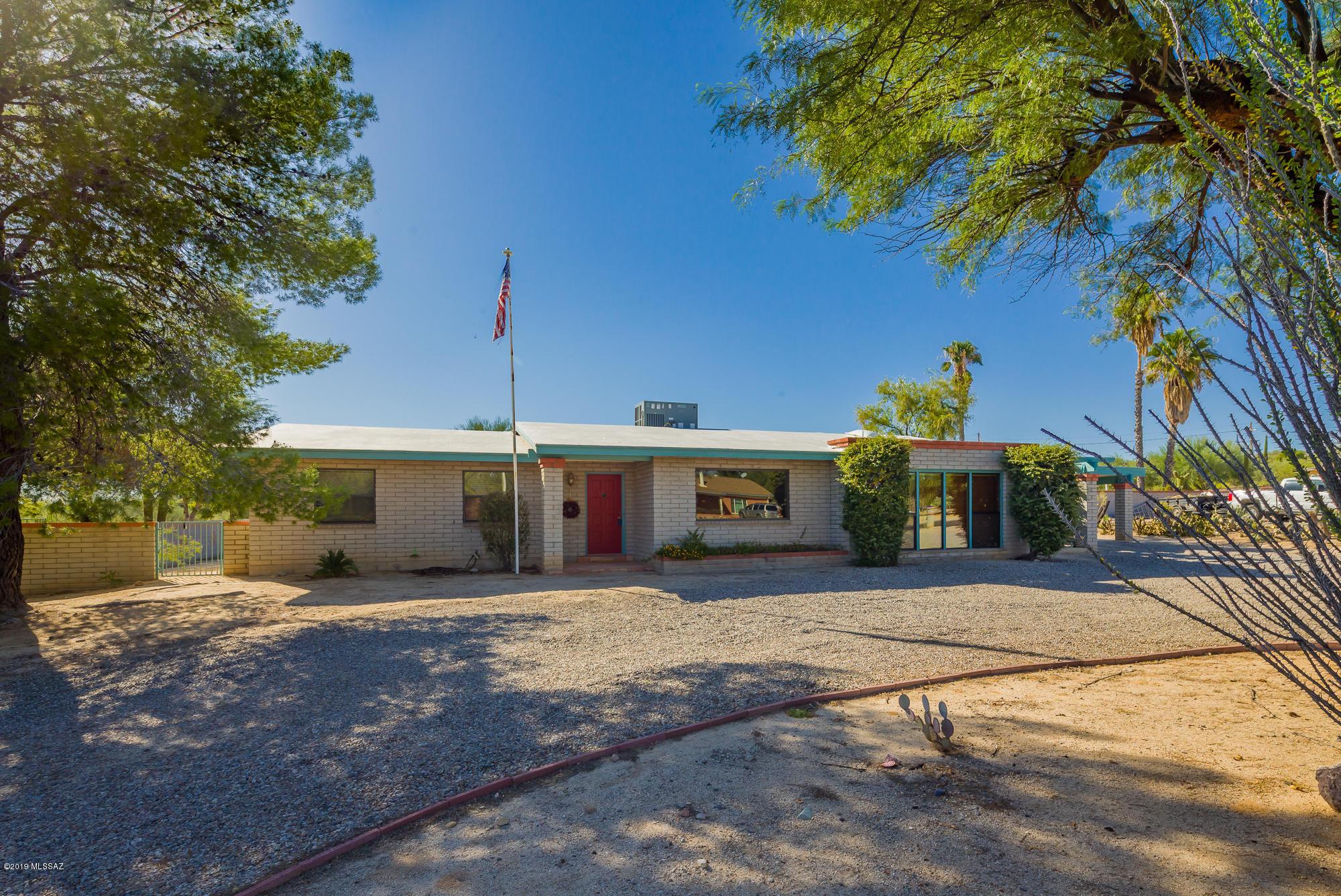 9821 N Calle Solano, Tucson, Arizona