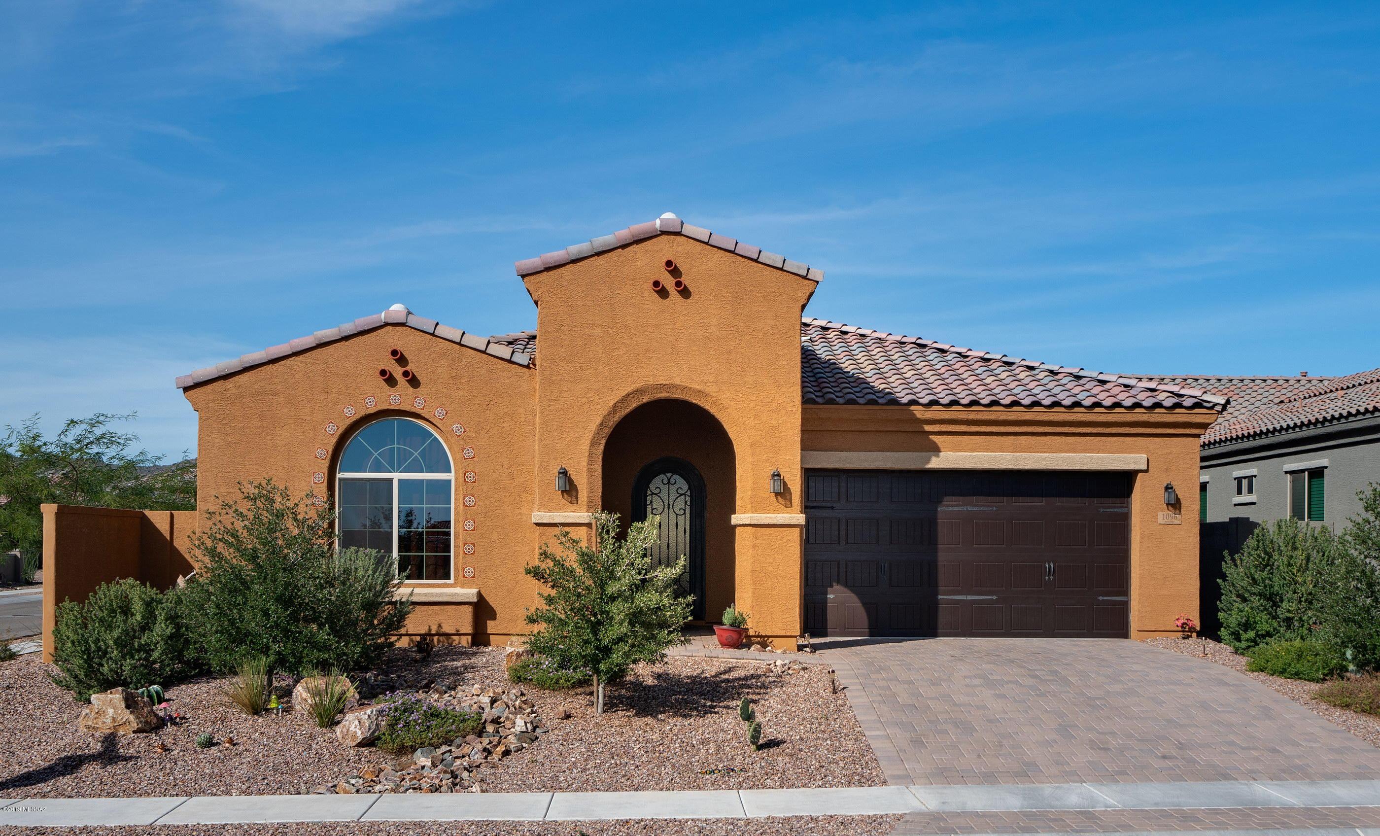 Photo of 1096 W Rock Daisy Lane, Oro Valley, AZ 85755