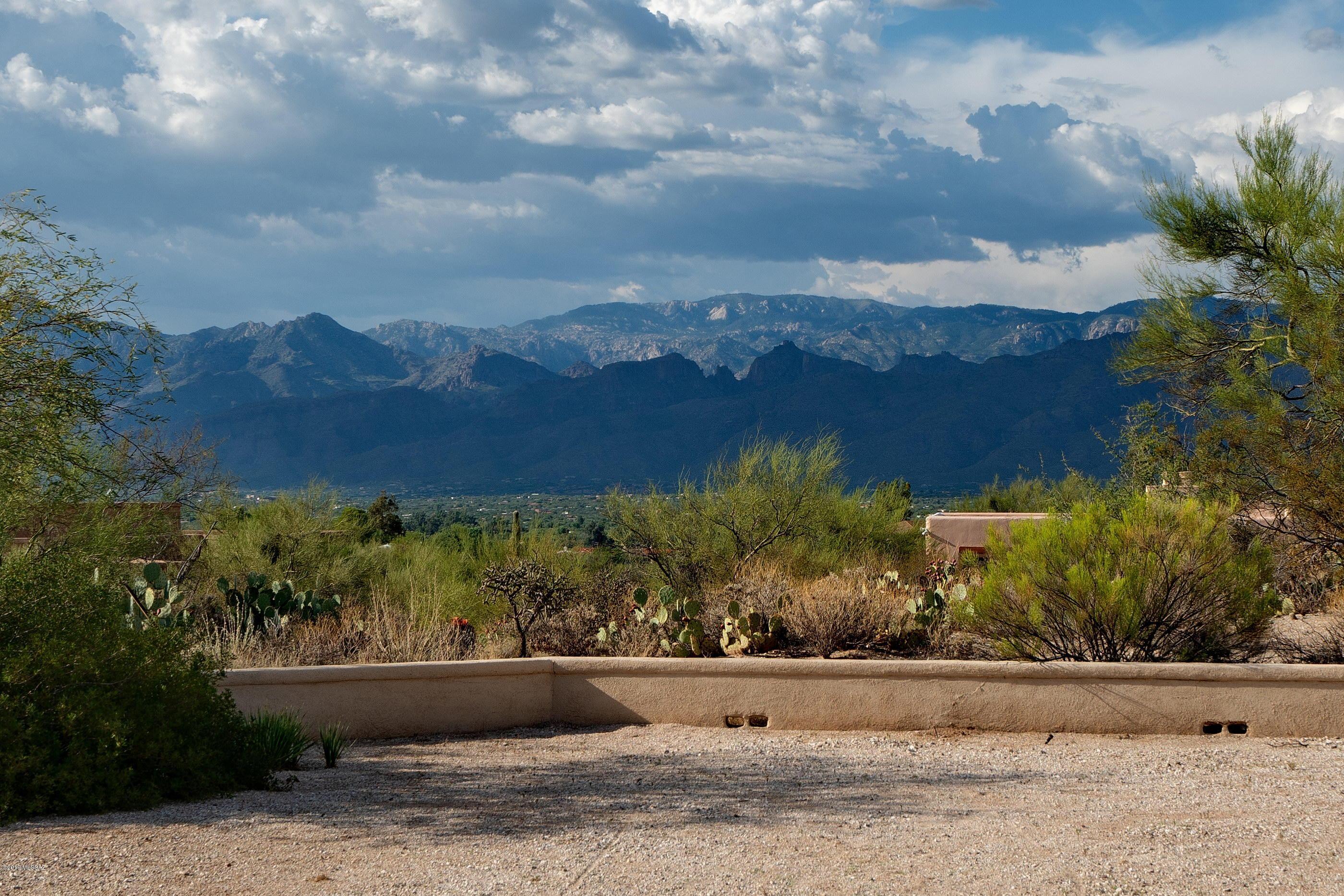 Photo of 11001 E Monument Estates Circle, Tucson, AZ 85748