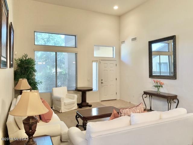 Photo of 840 E Grosvener Hills Place, Sahuarita, AZ 85629