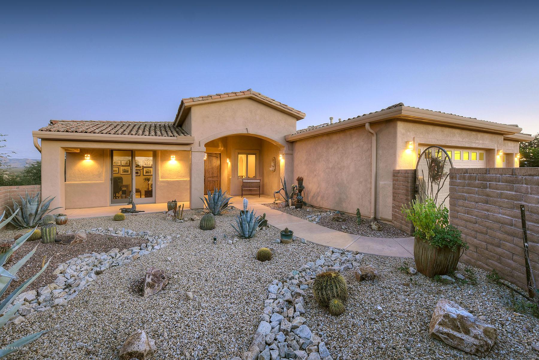 Photo of 744 W Placita El Cueto, Green Valley, AZ 85622