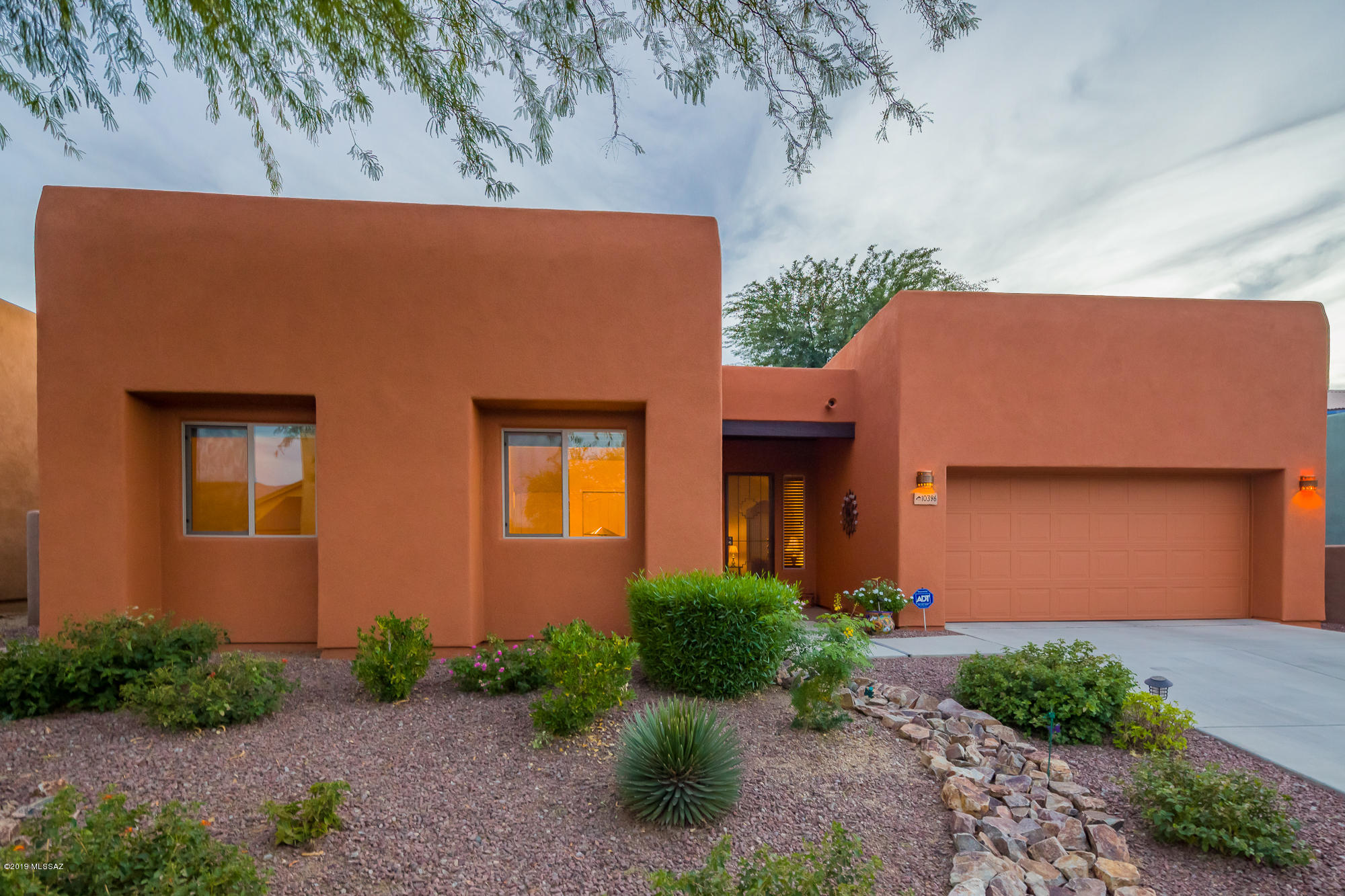 10396 E Jarod James Place, Tucson, Arizona