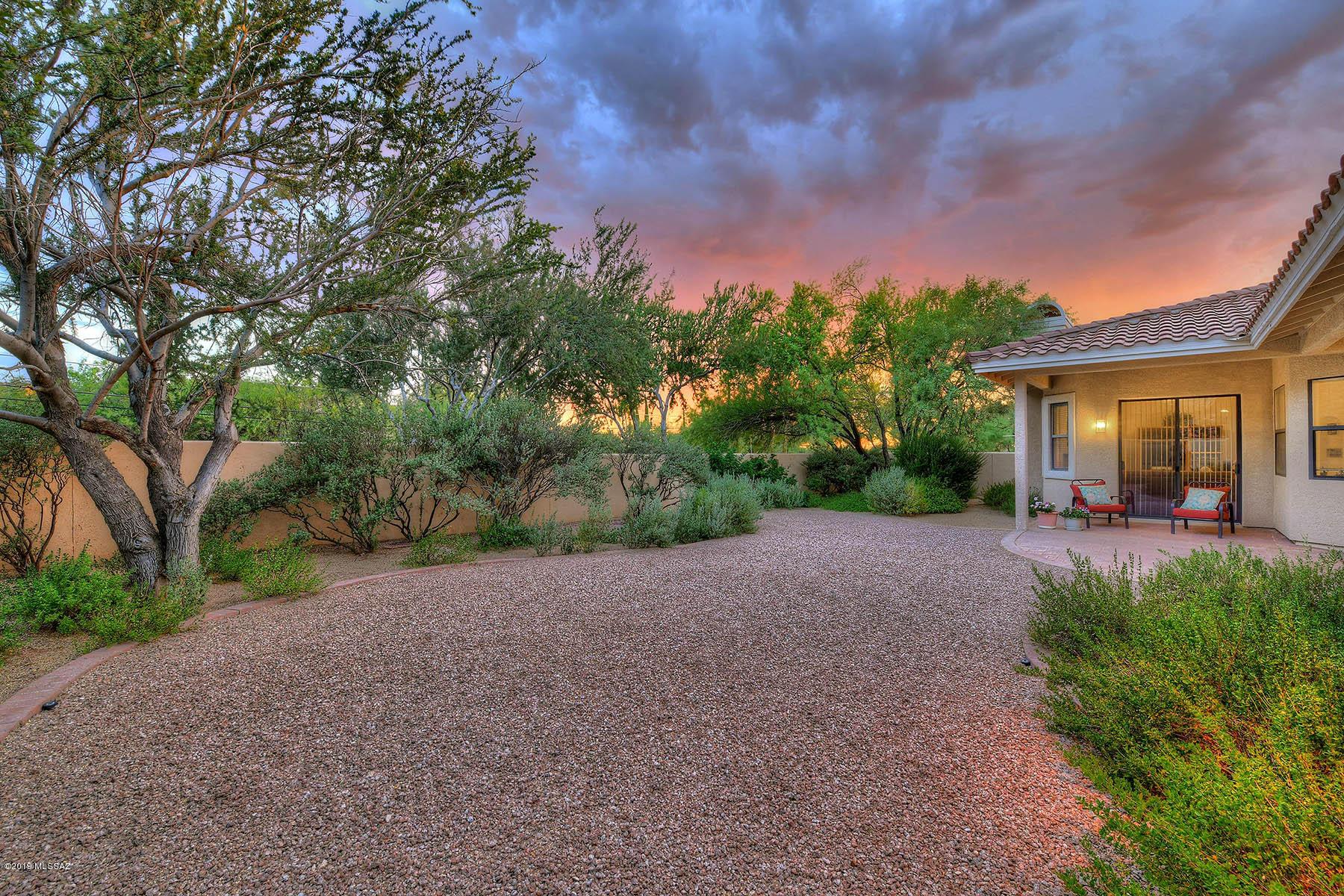 Photo of 98 E Golden Sun Place, Tucson, AZ 85737