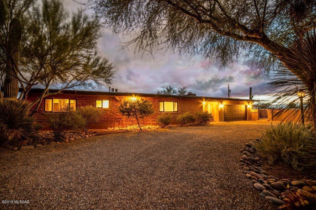 Photo of 5262 N Genematas Drive, Tucson, AZ 85704