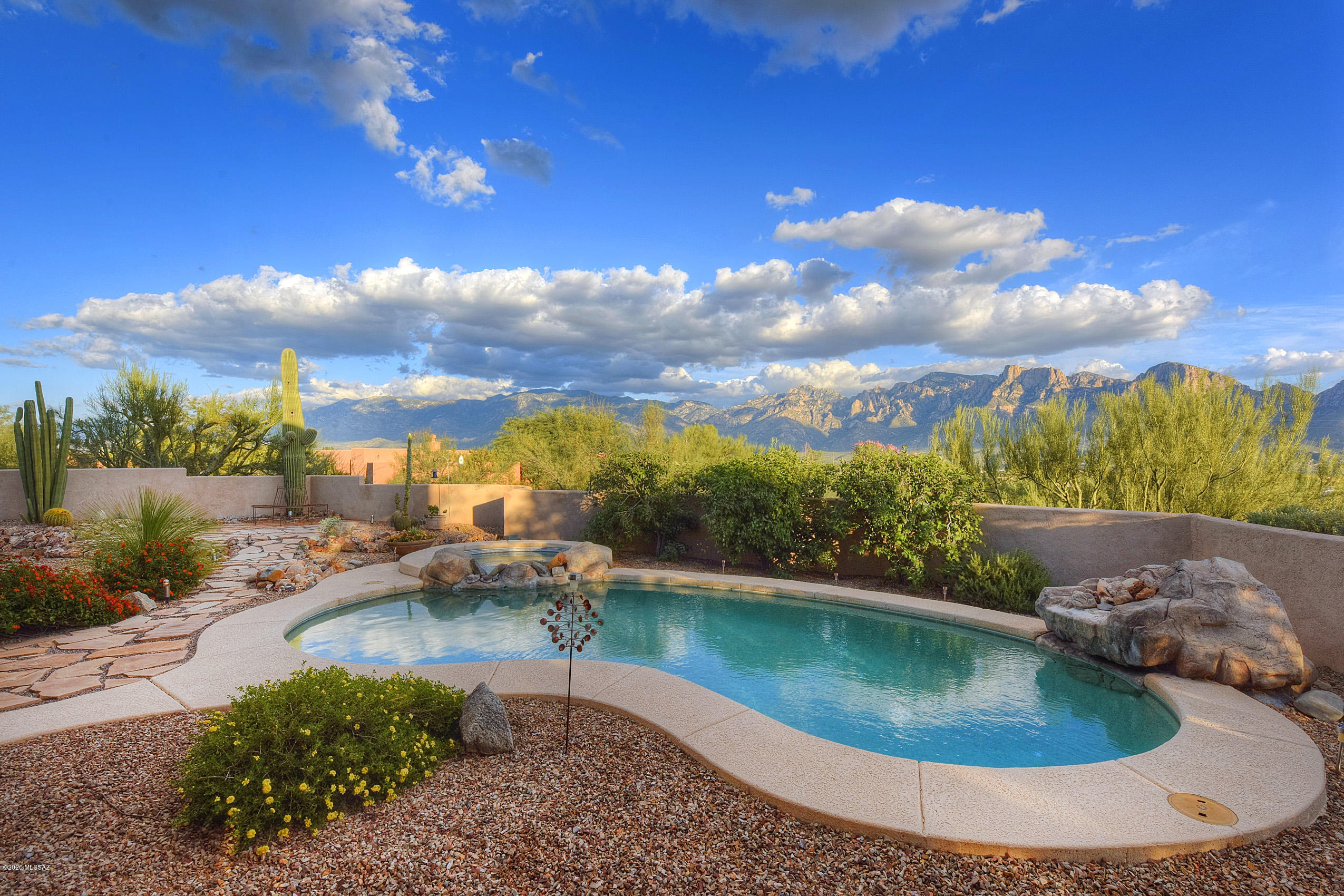 Photo of 487 W Coyote Moon Place, Oro Valley, AZ 85755