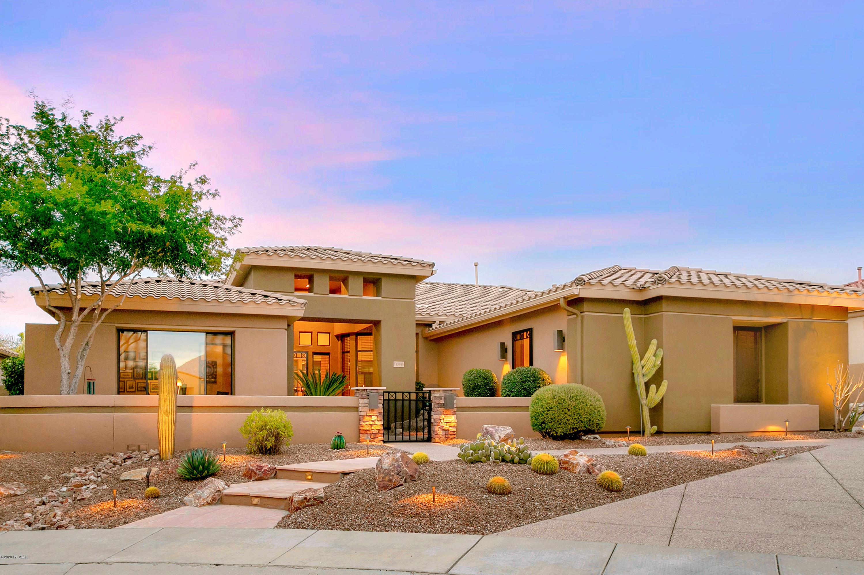 Photo of 13949 Steprock Canyon Place, Oro Valley, AZ 85755