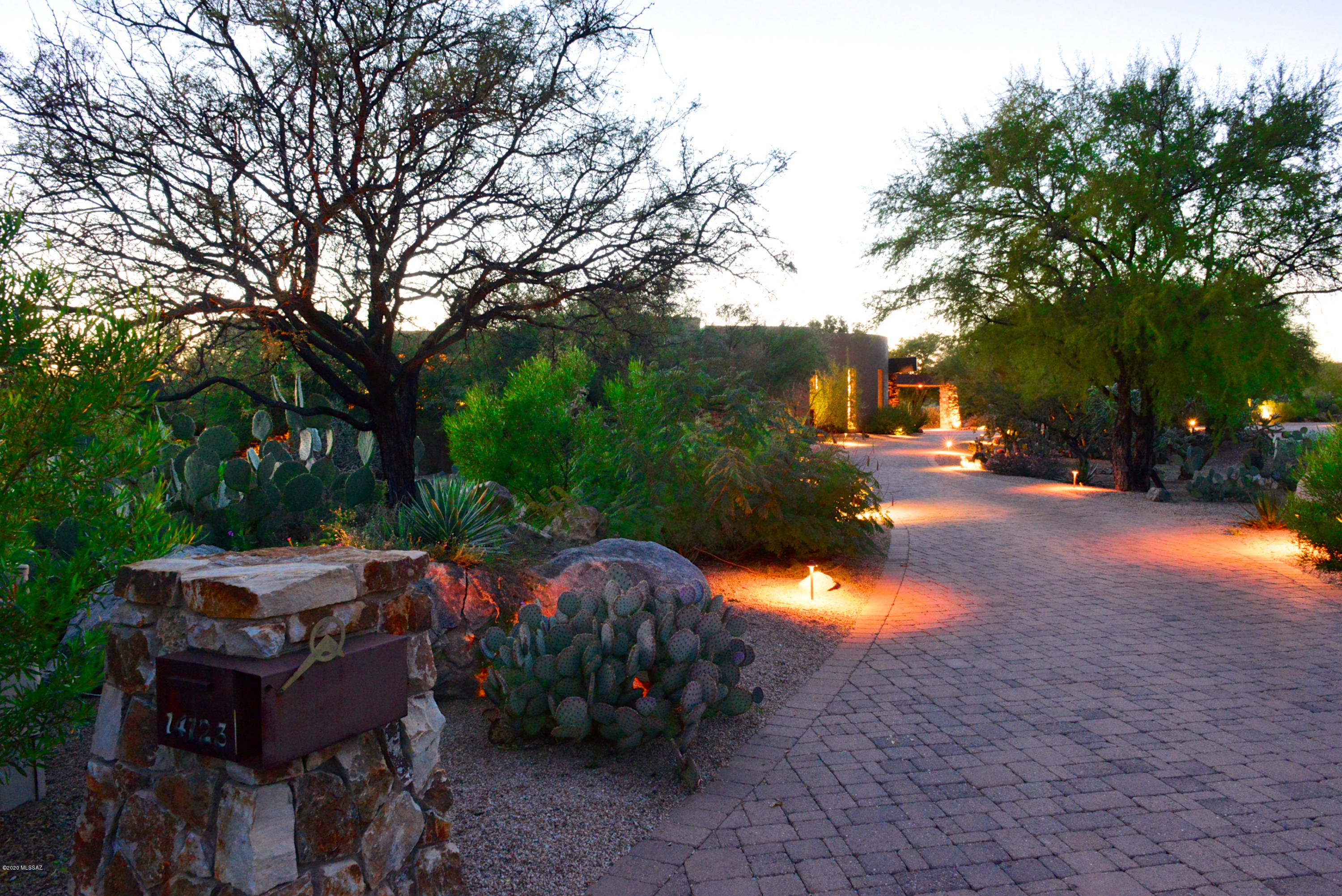 Photo of 14123 N Hohokam Village Place, Oro Valley, AZ 85755