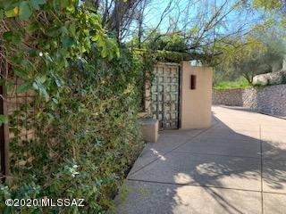 Photo of 8462 E Desert View Place, Tucson, AZ 85750