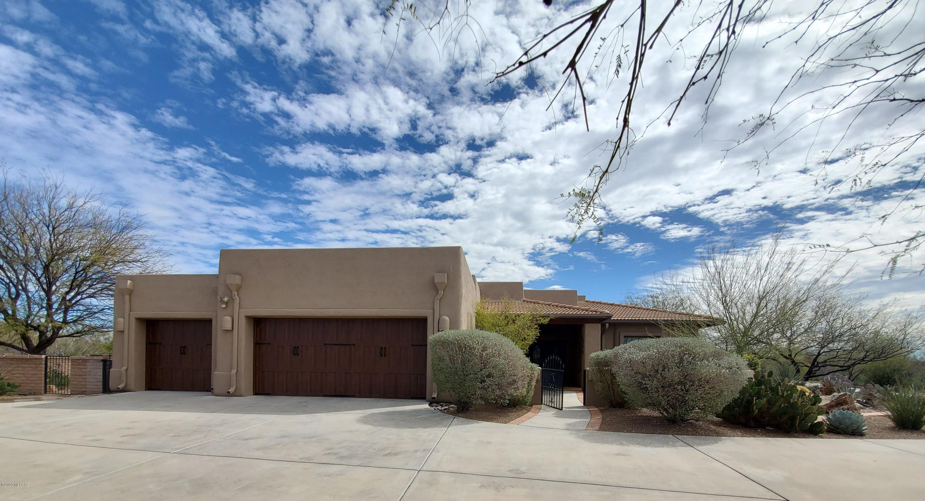 Photo of 2262 S Rolling Rock Place, Green Valley, AZ 85614