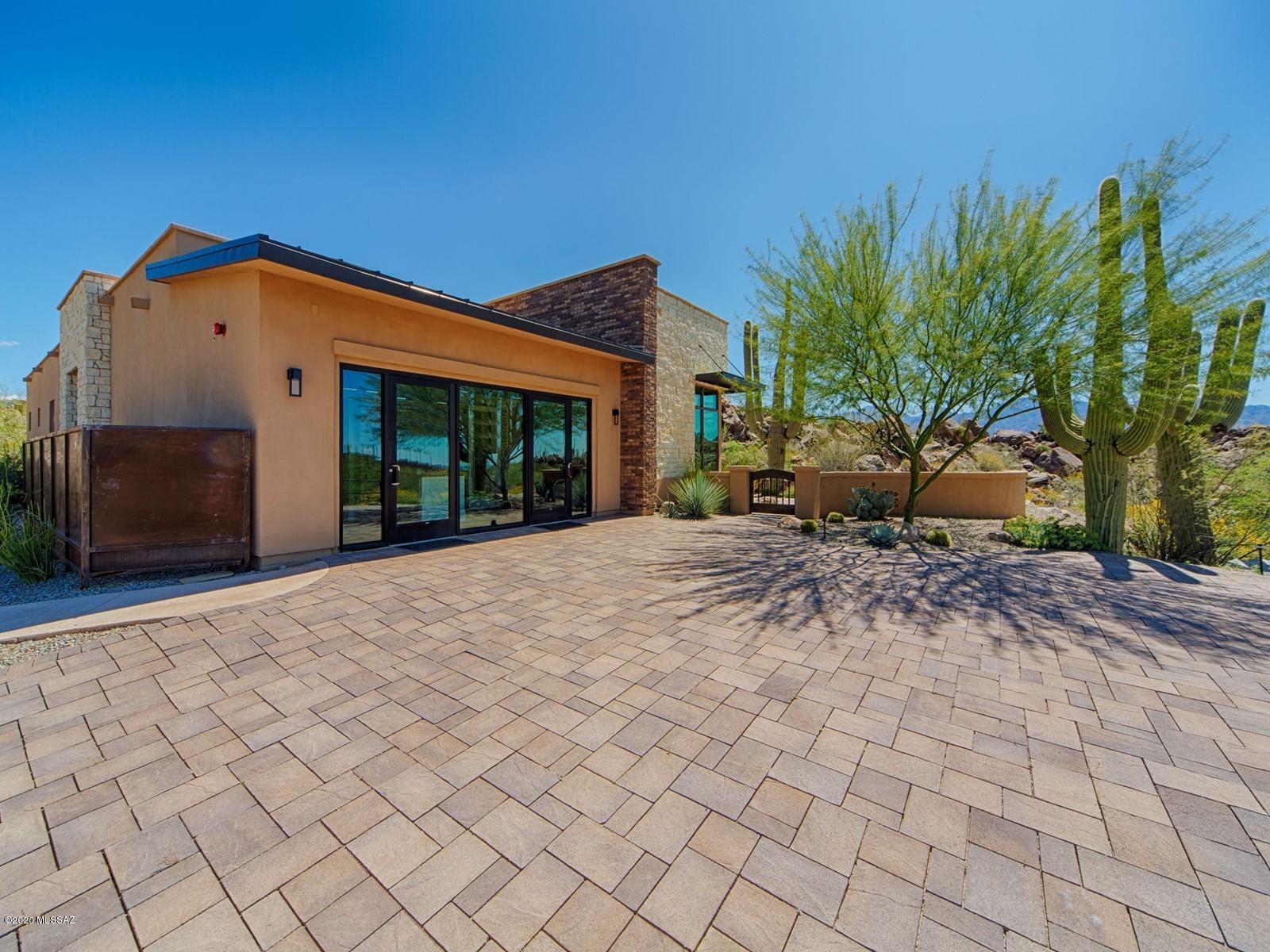 Photo of 14200 N Stone View Place, Oro Valley, AZ 85755