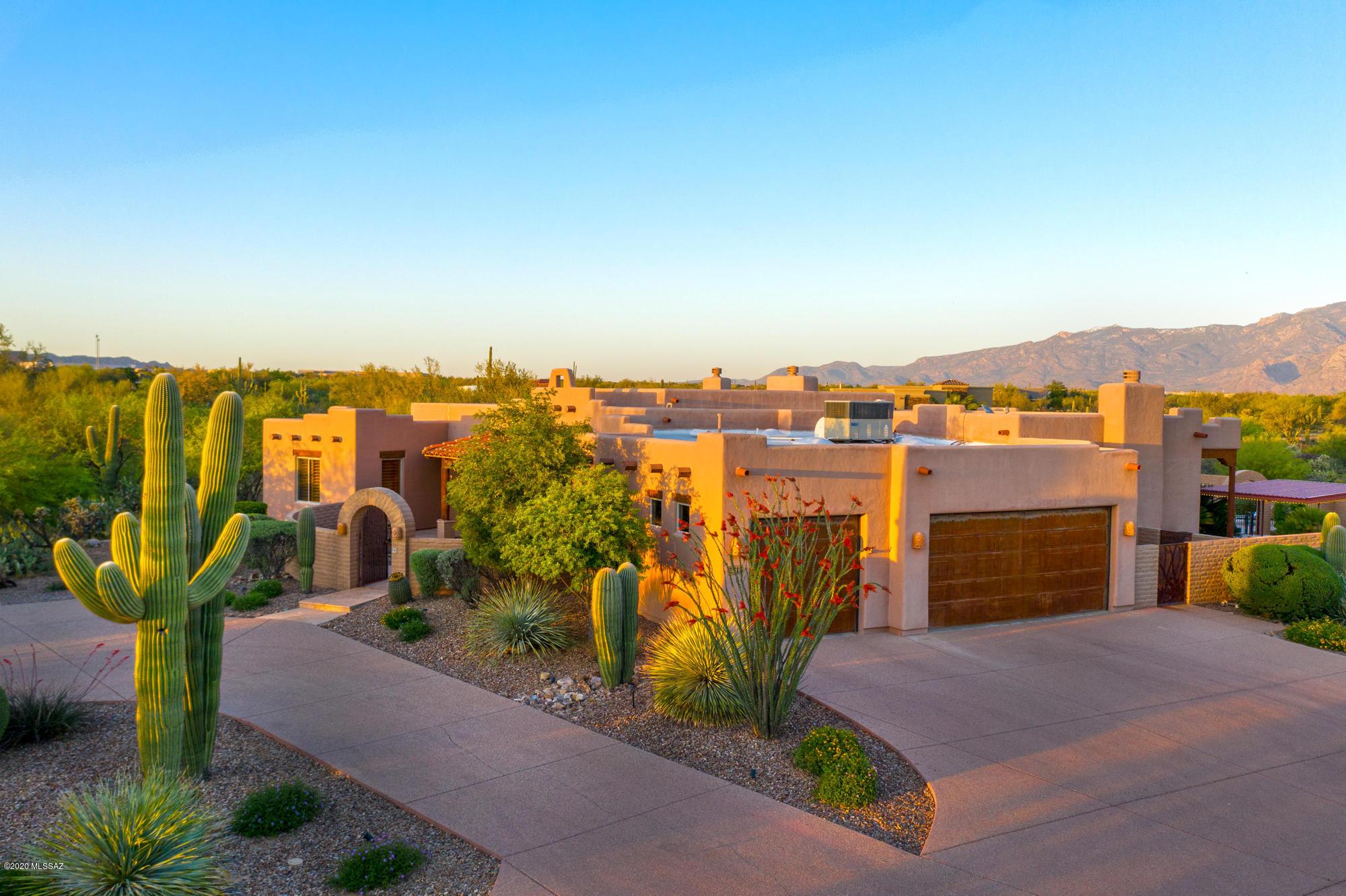 Photo of 2718 W Desert Splendor Court, Oro Valley, AZ 85742