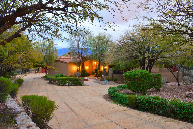 Photo of 14564 N Quiet Rain Drive, Oro Valley, AZ 85755
