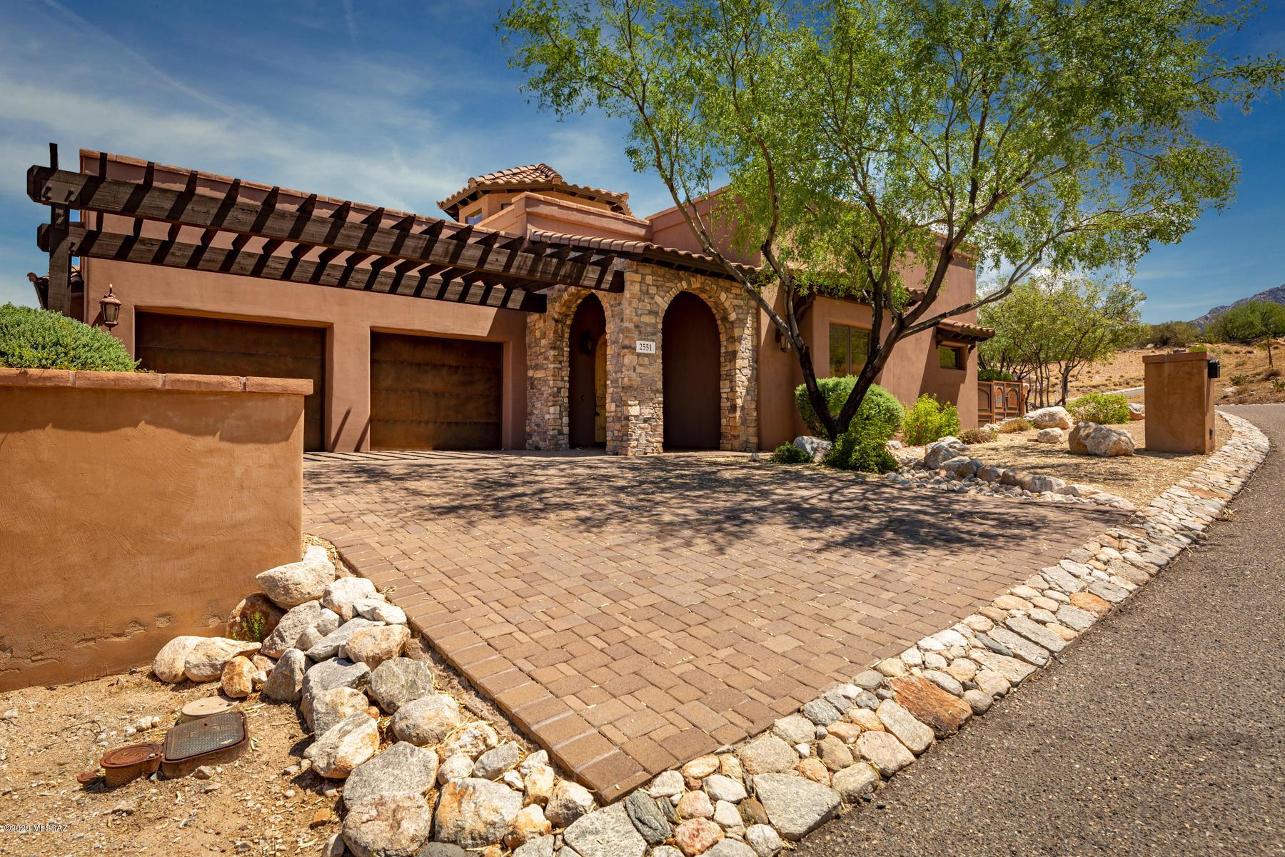Photo of 2551 Della Roccia Court, Oro Valley, AZ 85737