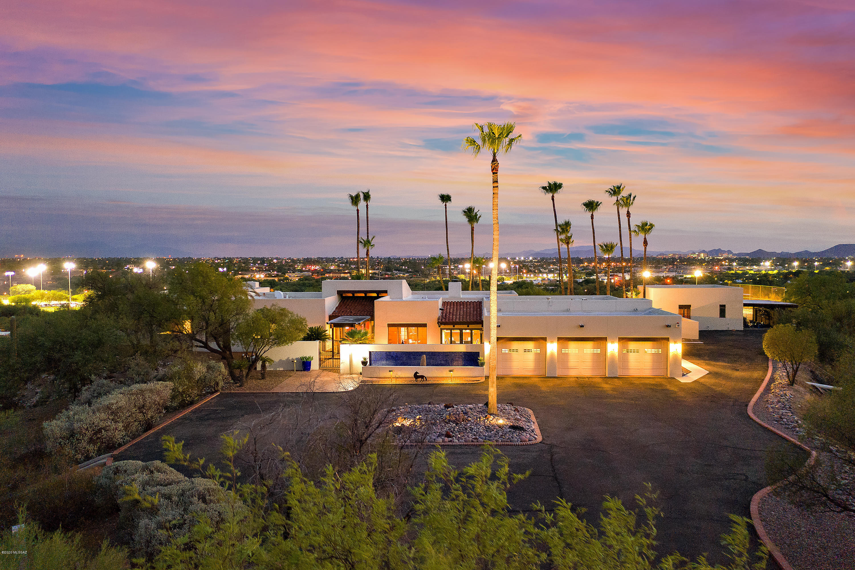 Photo of 4021 N San Simeon Road, Tucson, AZ 85718